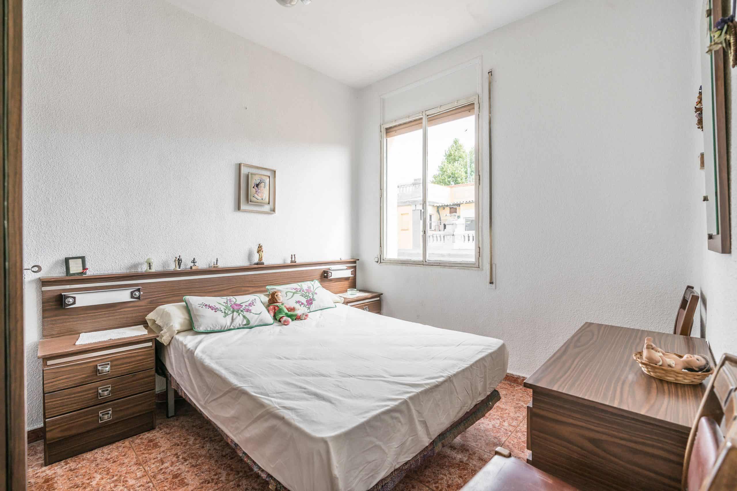 Agencia Inmobiliaria de Madrid-FUTUROCASA-Zona ARGANZUELA-EMBAJADORES-LEGAZPI -calle DOMINGO PEREZ DEL VAL -2 DORMITORIO1 (2)