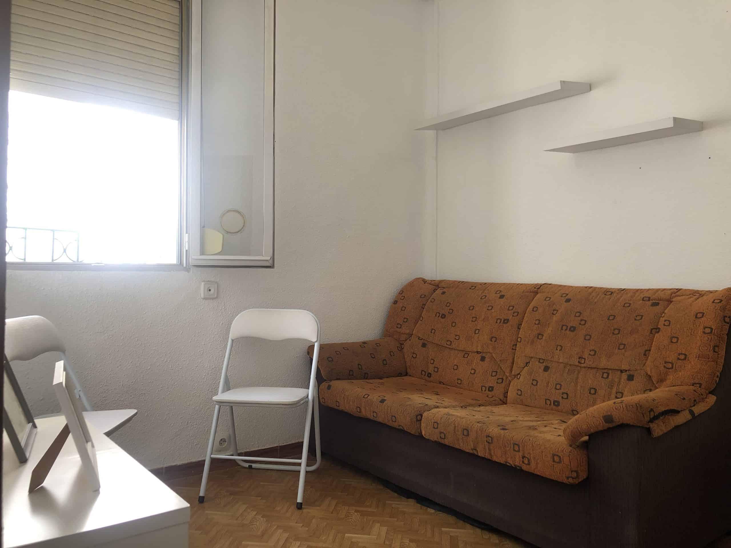 Agencia Inmobiliaria de Madrid-FUTUROCASA-Zona ARGANZUELA-EMBAJADORES-LEGAZPI -calle Embajadores- Salon