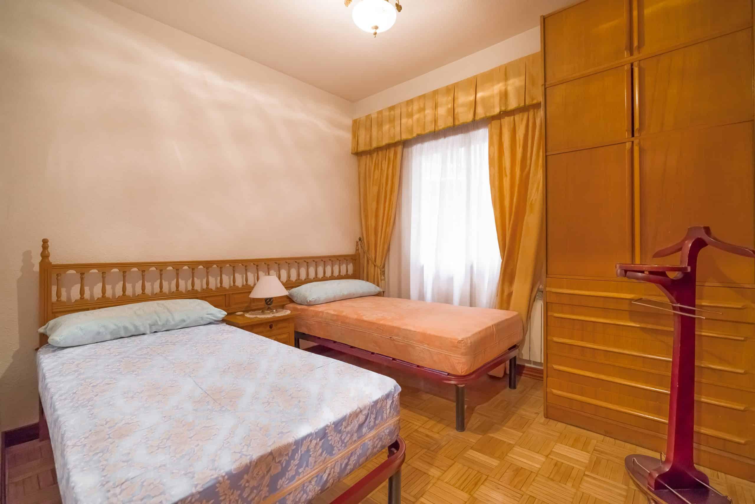 Agencia Inmobiliaria de Madrid-FUTUROCASA-Zona ARGANZUELA-EMBAJADORES-LEGAZPI -calle tomas borras- Dormitorio 2