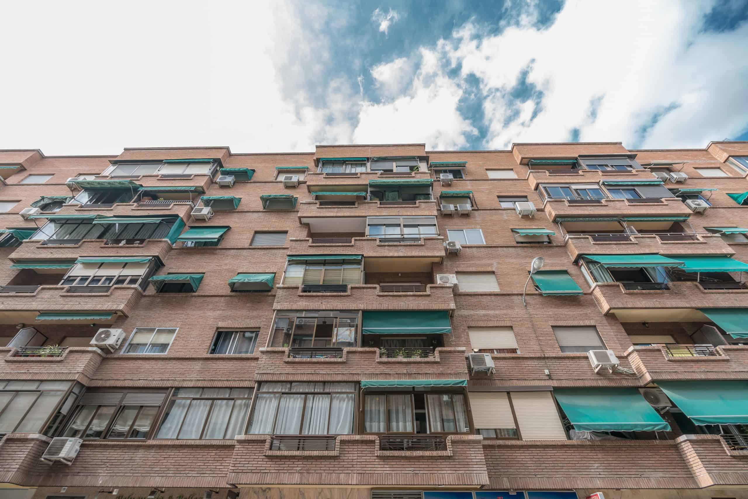 Agencia Inmobiliaria de Madrid-FUTUROCASA-Zona ARGANZUELA-EMBAJADORES-LEGAZPI -calle tomas borras- Fachada