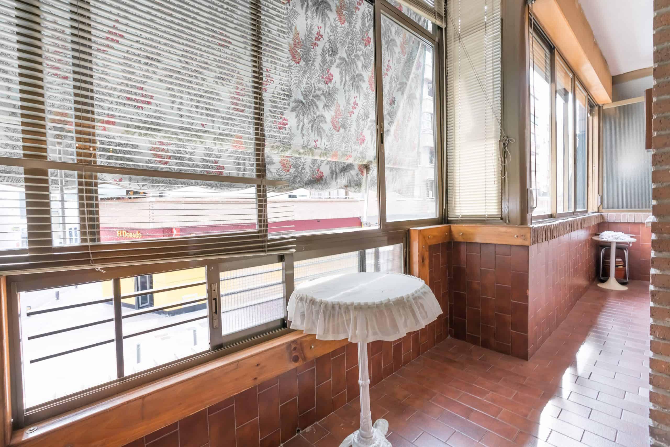 Agencia Inmobiliaria de Madrid-FUTUROCASA-Zona ARGANZUELA-EMBAJADORES-LEGAZPI -calle tomas borras- Salon 2