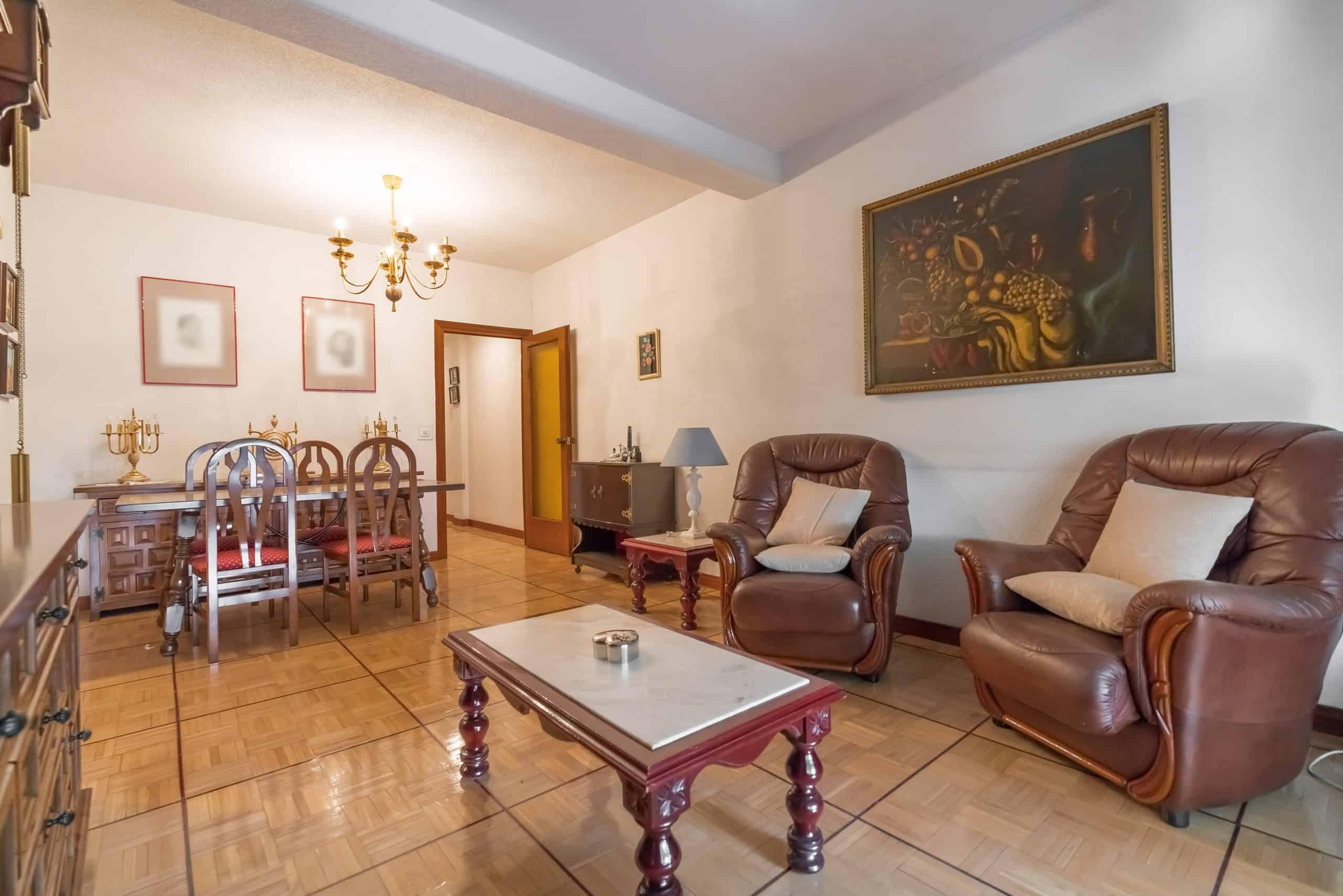 Agencia Inmobiliaria de Madrid-FUTUROCASA-Zona ARGANZUELA-EMBAJADORES-LEGAZPI -calle tomas borras- Salon