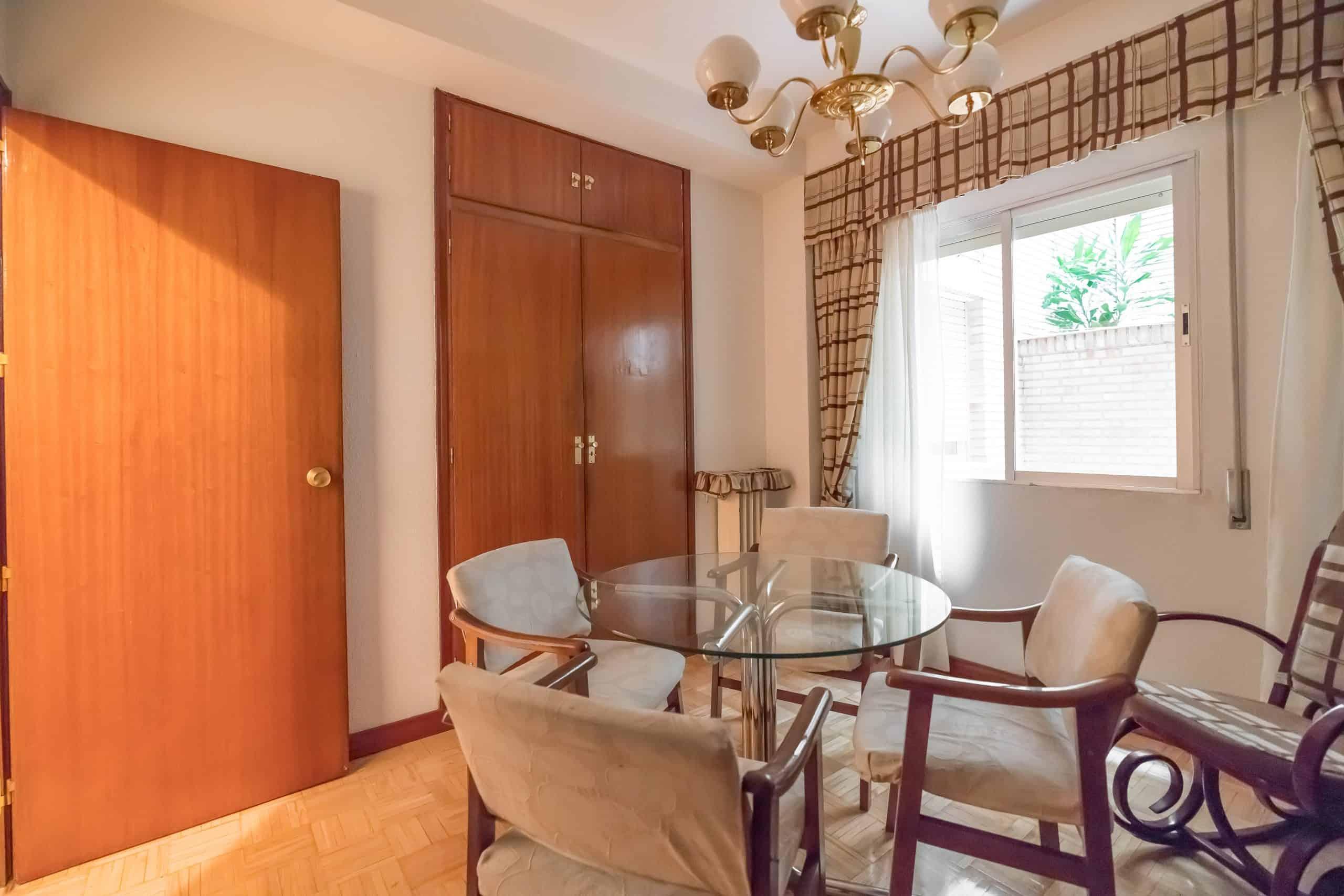 Agencia Inmobiliaria de Madrid-FUTUROCASA-Zona ARGANZUELA-EMBAJADORES-LEGAZPI -calle tomas borras- dormitorio-3