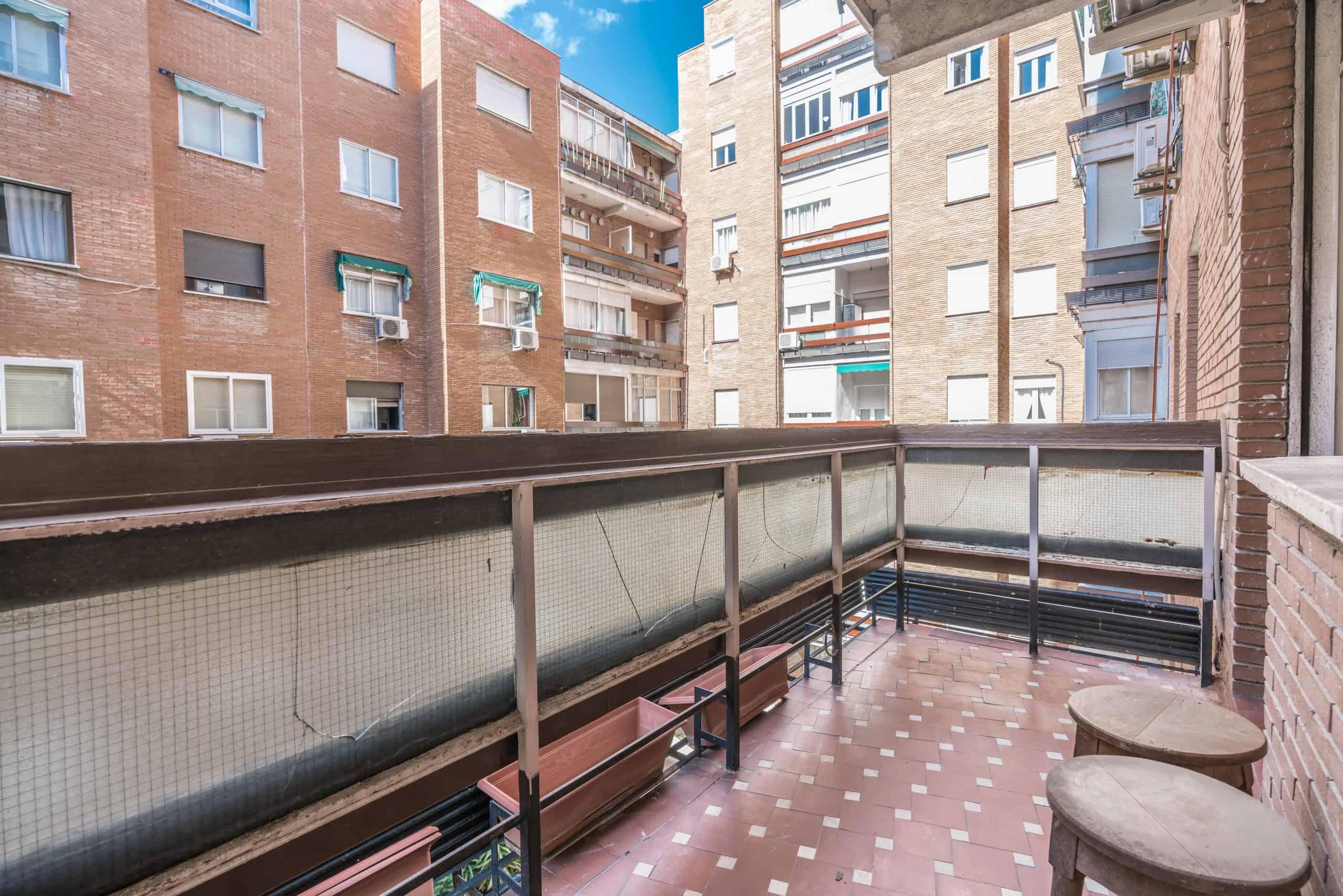 Agencia Inmobiliaria de Madrid-FUTUROCASA-Zona ARGANZUELA-EMBAJADORES-LEGAZPI -calle EMBAJADORES 108-SALON 2-TERRAZA1 TERRAZA3