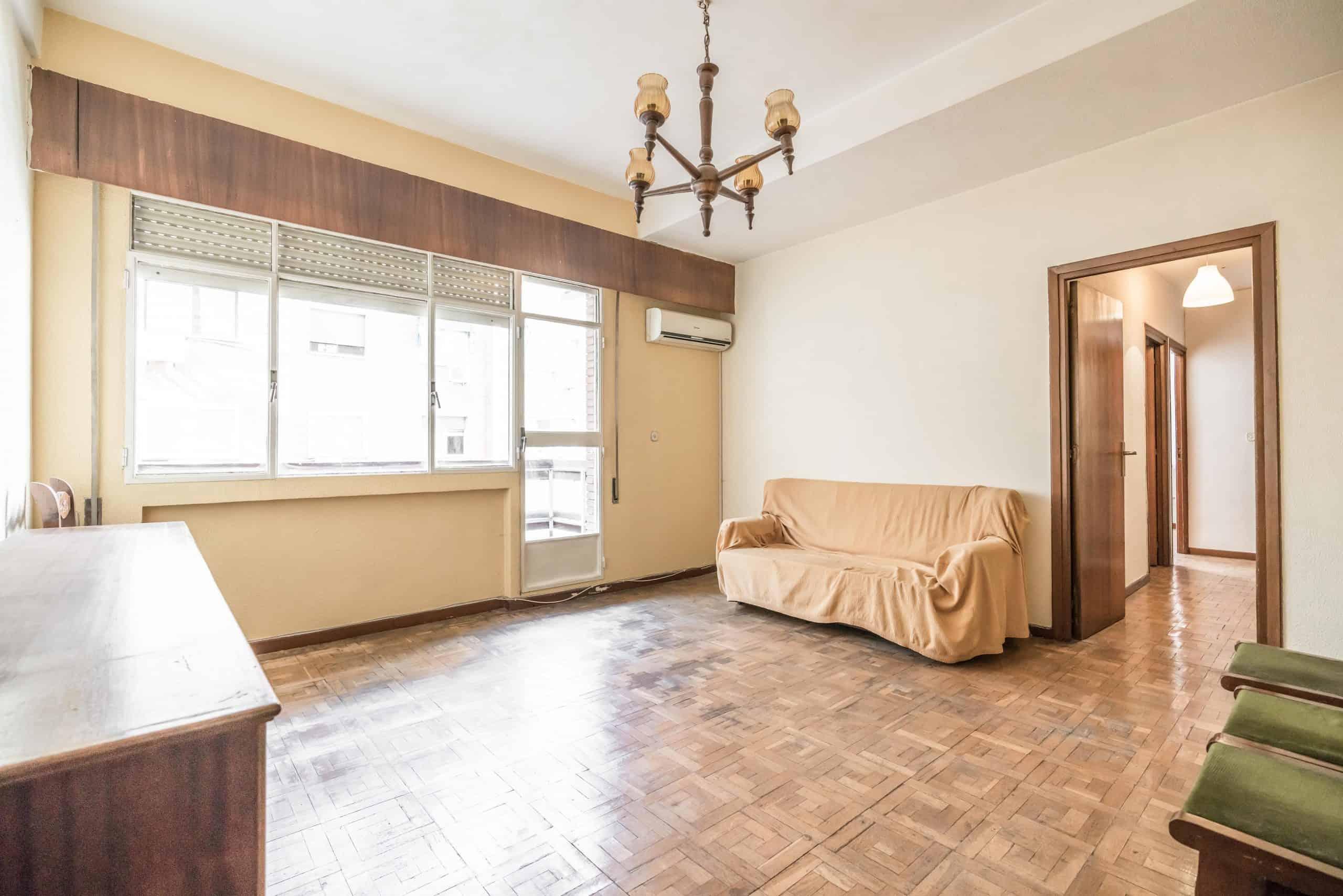 Agencia Inmobiliaria de Madrid-FUTUROCASA-Zona ARGANZUELA-EMBAJADORES-LEGAZPI -calle EMBAJADORES 108-SALON3