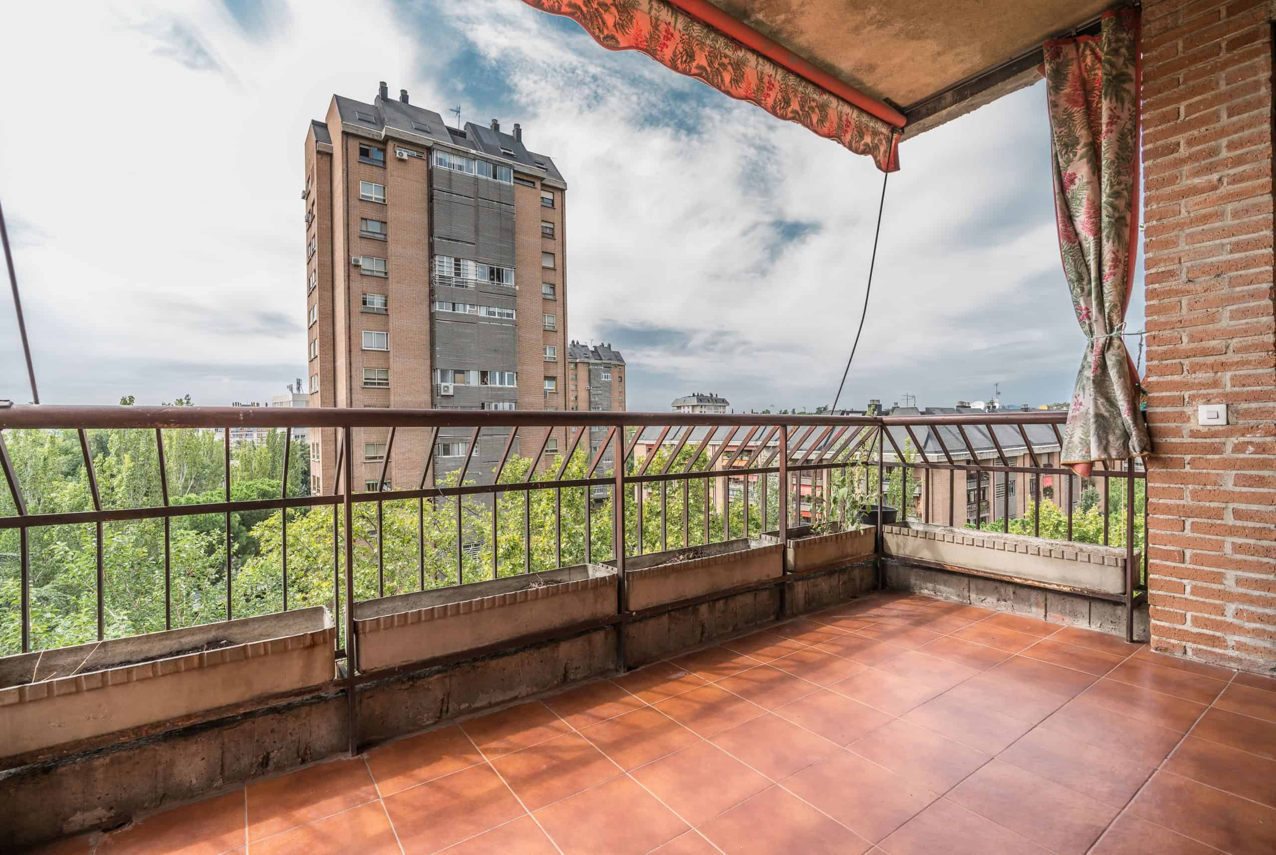 Agencia Inmobiliaria de Madrid-FUTUROCASA-Zona ARGANZUELA-EMBAJADORES-LEGAZPI -calle Embajadores- baño 11