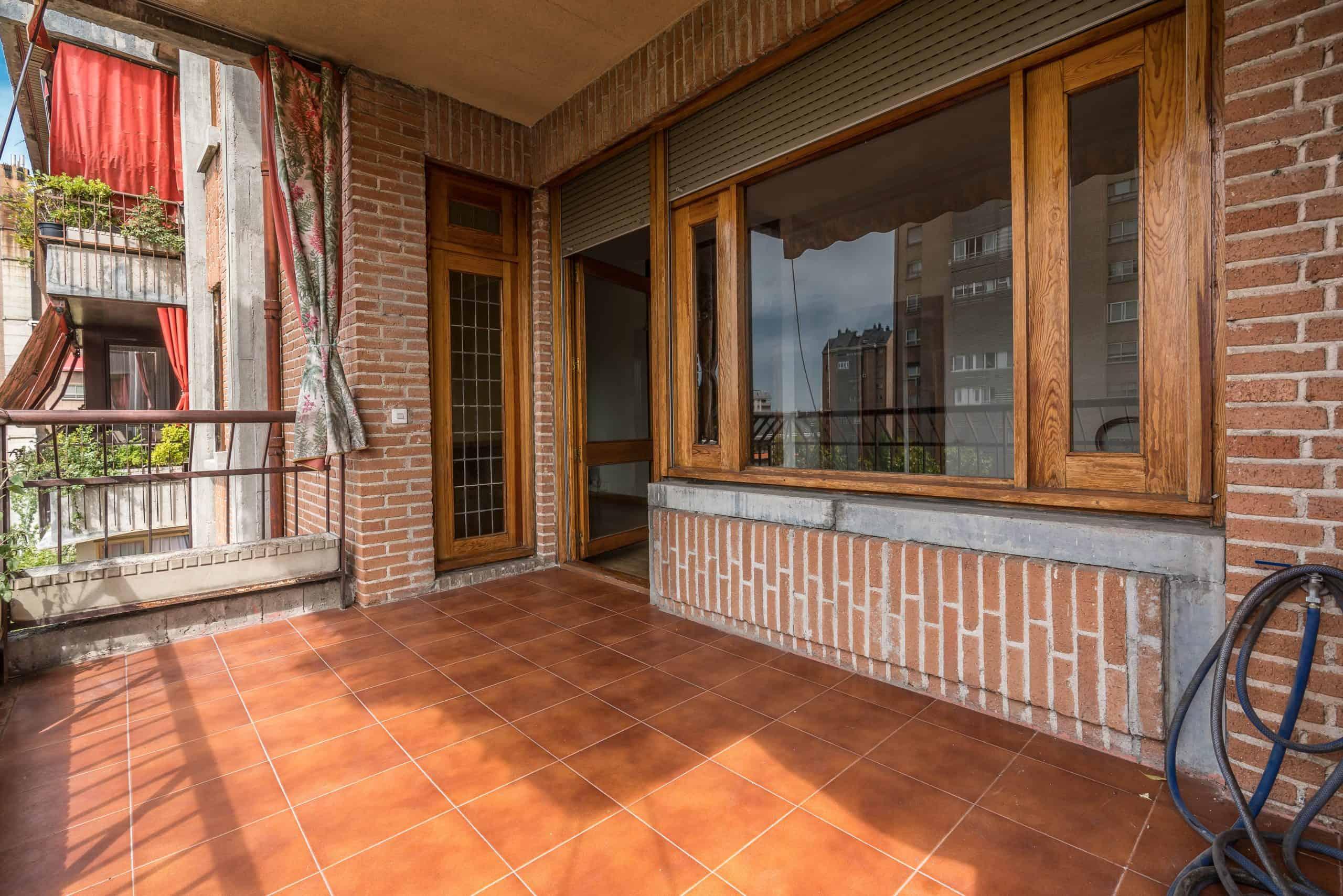 Agencia Inmobiliaria de Madrid-FUTUROCASA-Zona ARGANZUELA-EMBAJADORES-LEGAZPI -calle Embajadores- baño 13