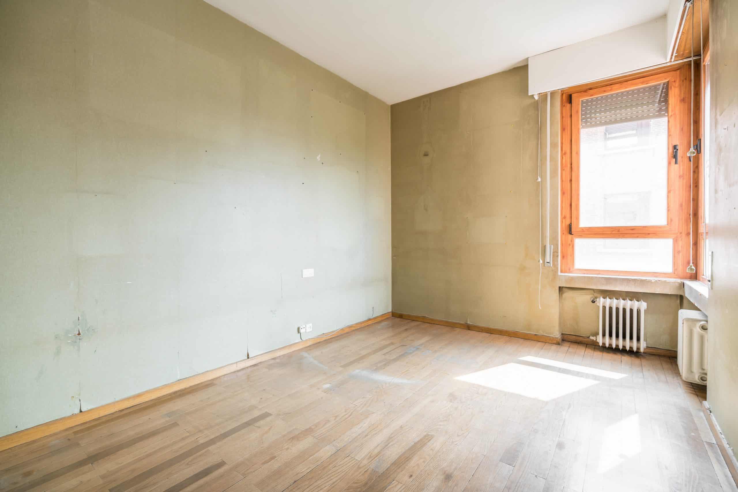 Agencia Inmobiliaria de Madrid-FUTUROCASA-Zona ARGANZUELA-EMBAJADORES-LEGAZPI -calle Embajadores- baño 137