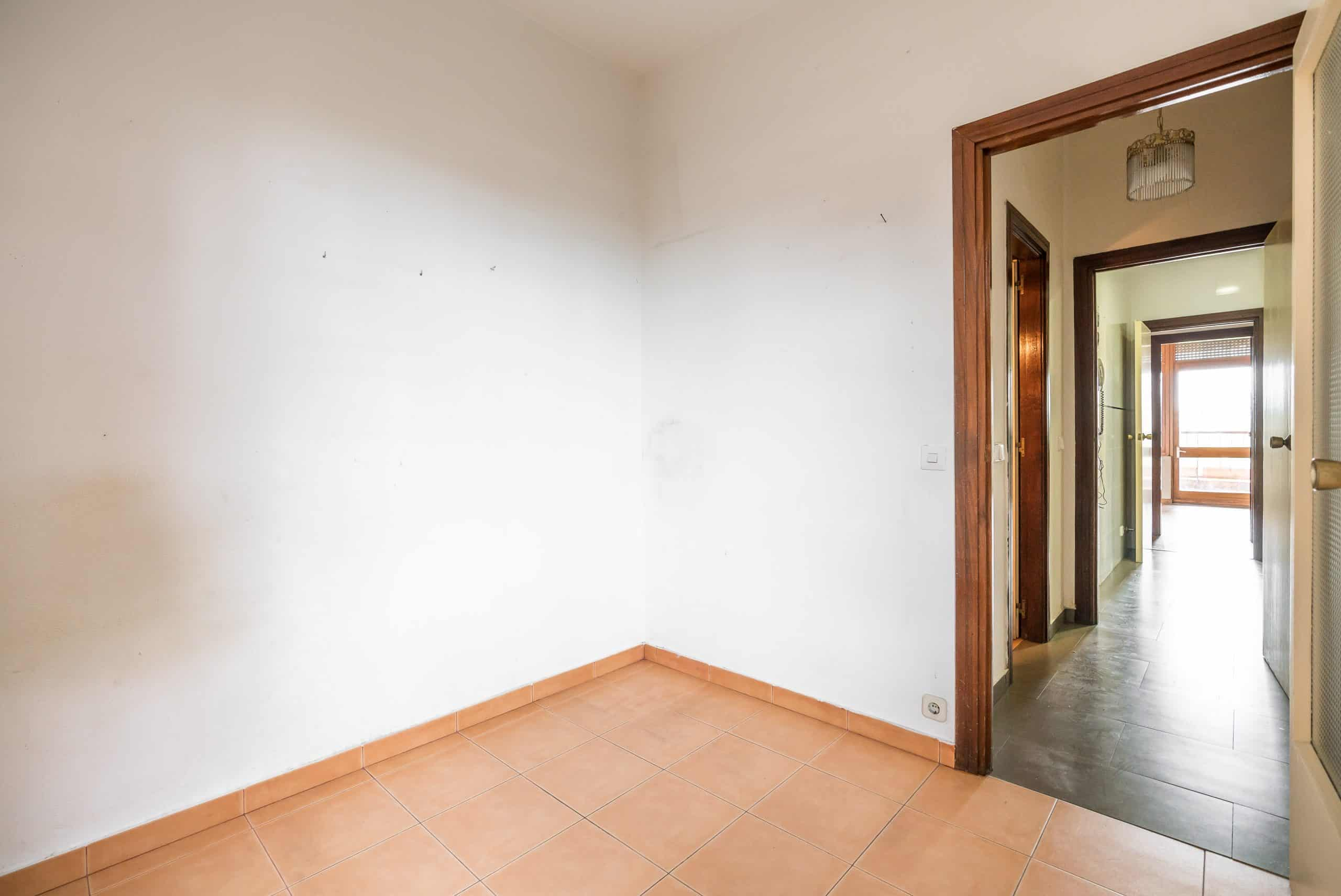 Agencia Inmobiliaria de Madrid-FUTUROCASA-Zona ARGANZUELA-EMBAJADORES-LEGAZPI -calle Embajadores- baño 152