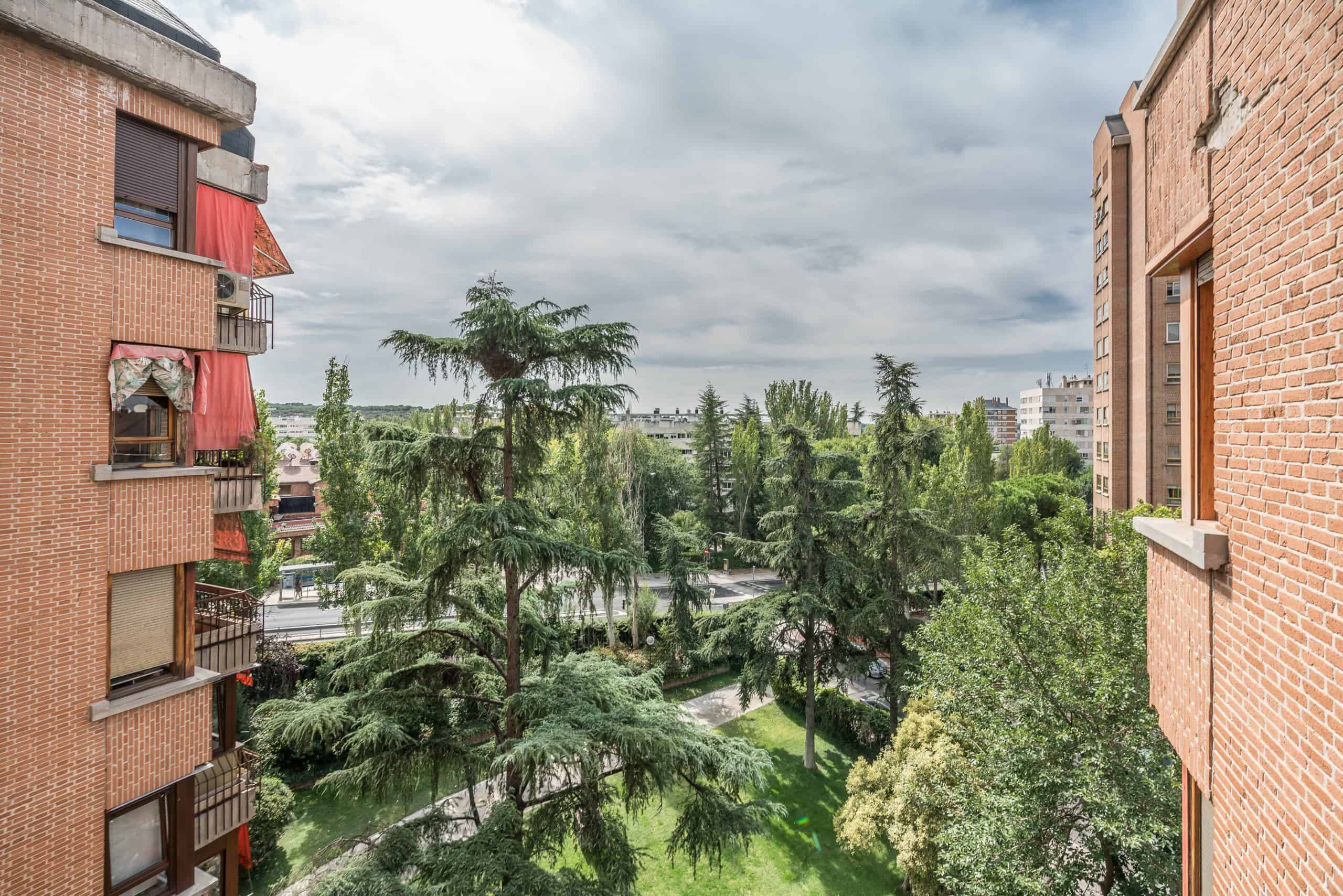Agencia Inmobiliaria de Madrid-FUTUROCASA-Zona ARGANZUELA-EMBAJADORES-LEGAZPI -calle Embajadores- baño 162