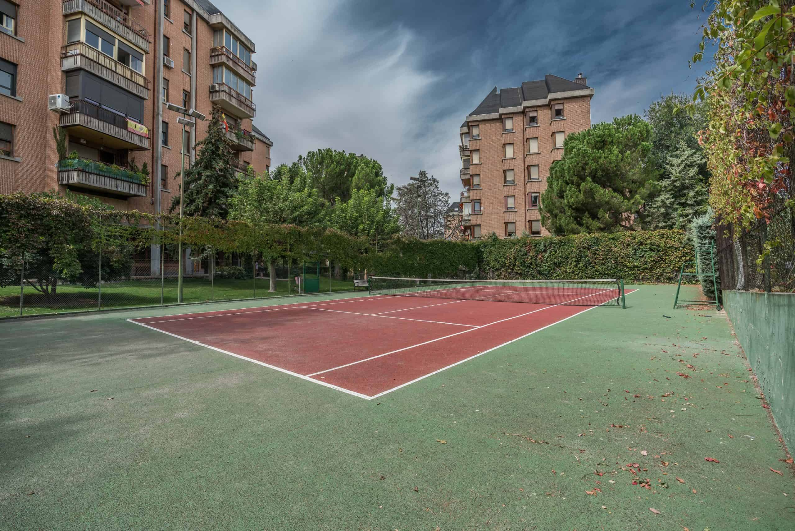 Agencia Inmobiliaria de Madrid-FUTUROCASA-Zona ARGANZUELA-EMBAJADORES-LEGAZPI -calle Embajadores- baño 163