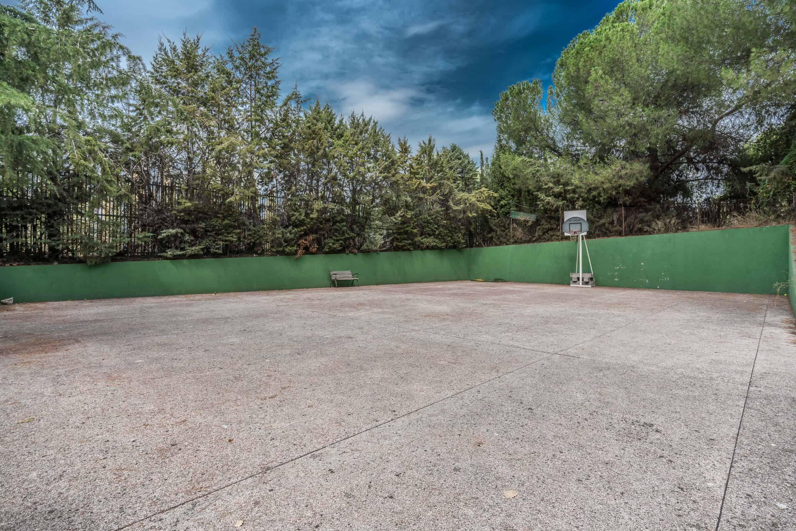 Agencia Inmobiliaria de Madrid-FUTUROCASA-Zona ARGANZUELA-EMBAJADORES-LEGAZPI -calle Embajadores- baño 170