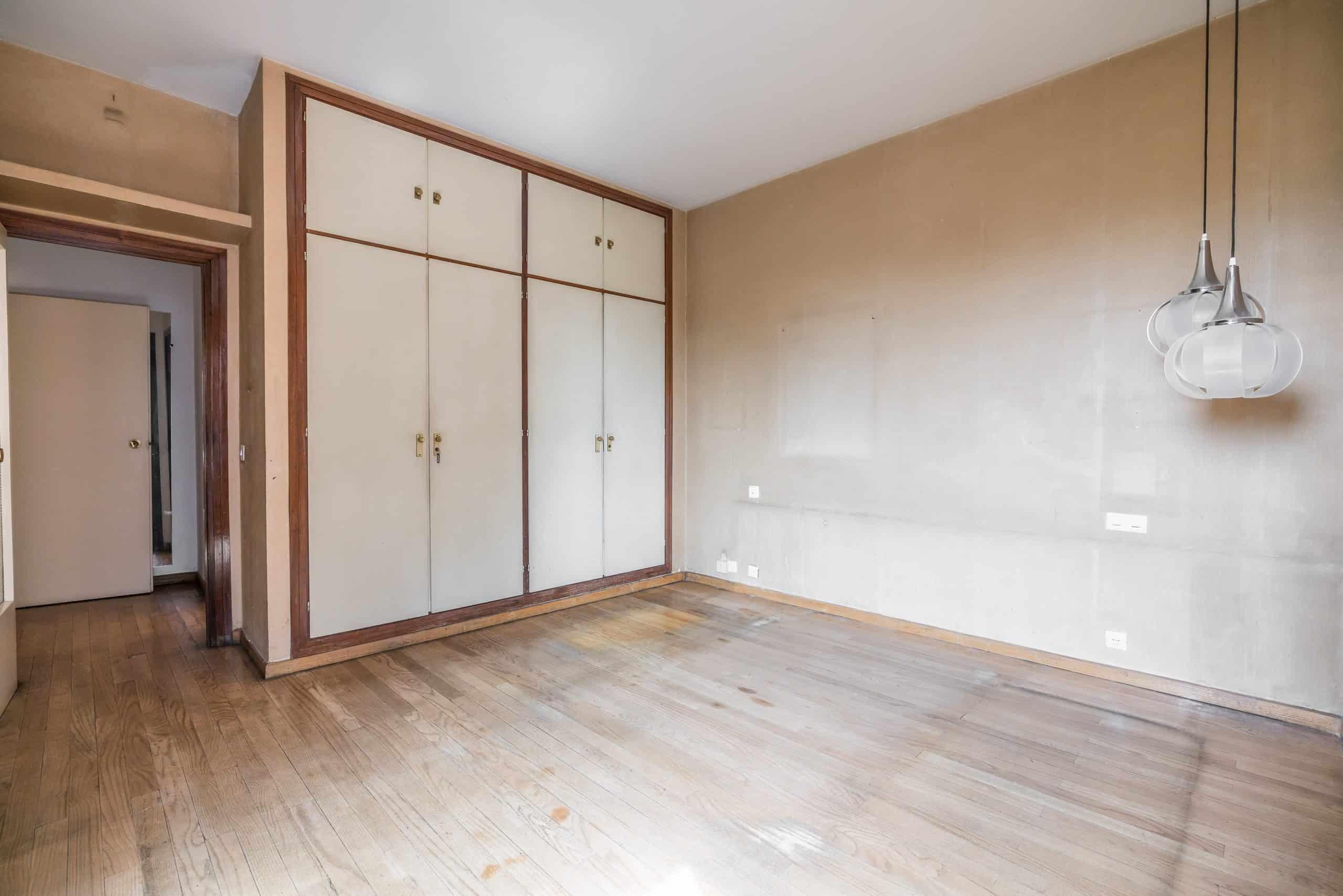 Agencia Inmobiliaria de Madrid-FUTUROCASA-Zona ARGANZUELA-EMBAJADORES-LEGAZPI -calle Embajadores- baño 18