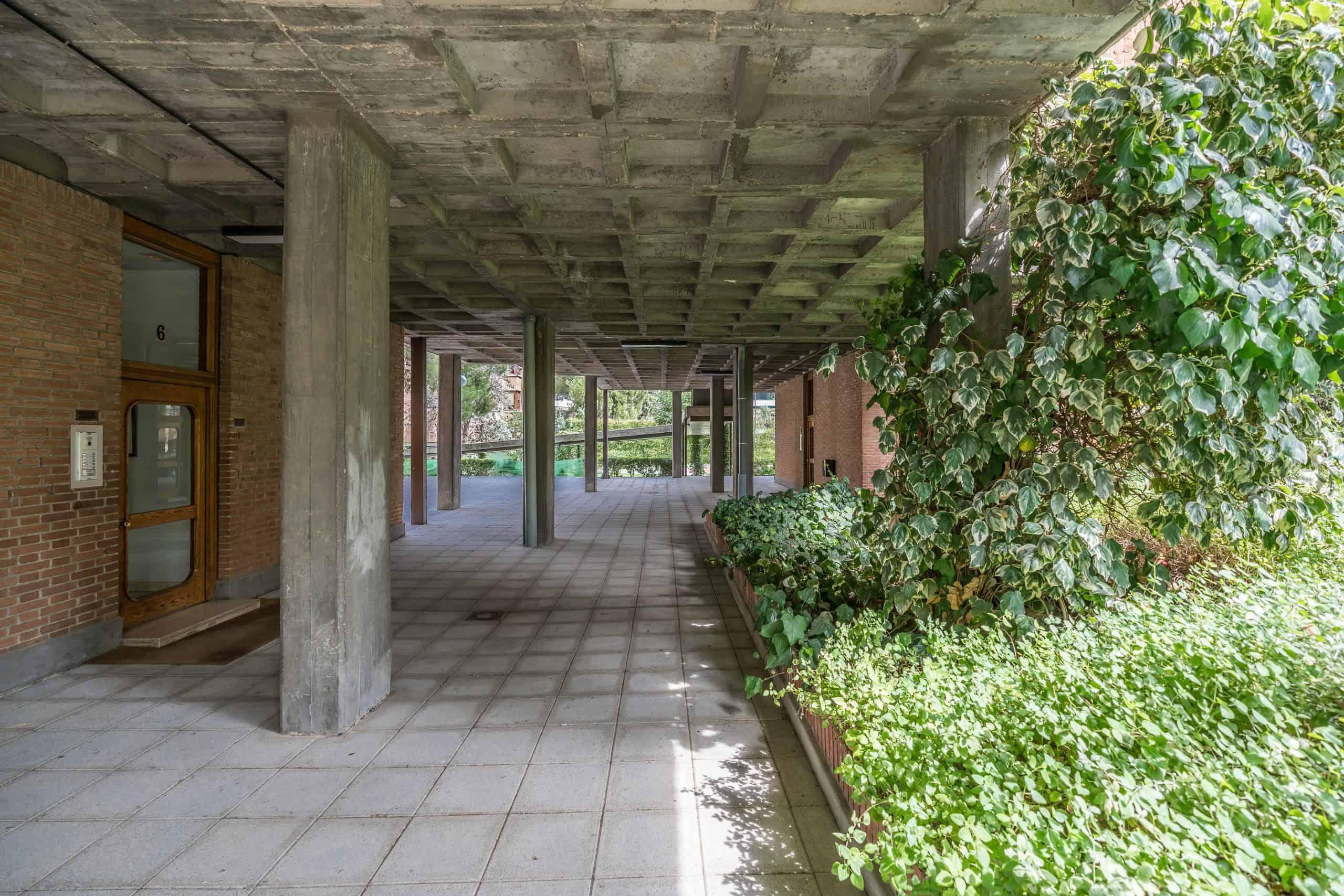 Agencia Inmobiliaria de Madrid-FUTUROCASA-Zona ARGANZUELA-EMBAJADORES-LEGAZPI -calle Embajadores- baño 183