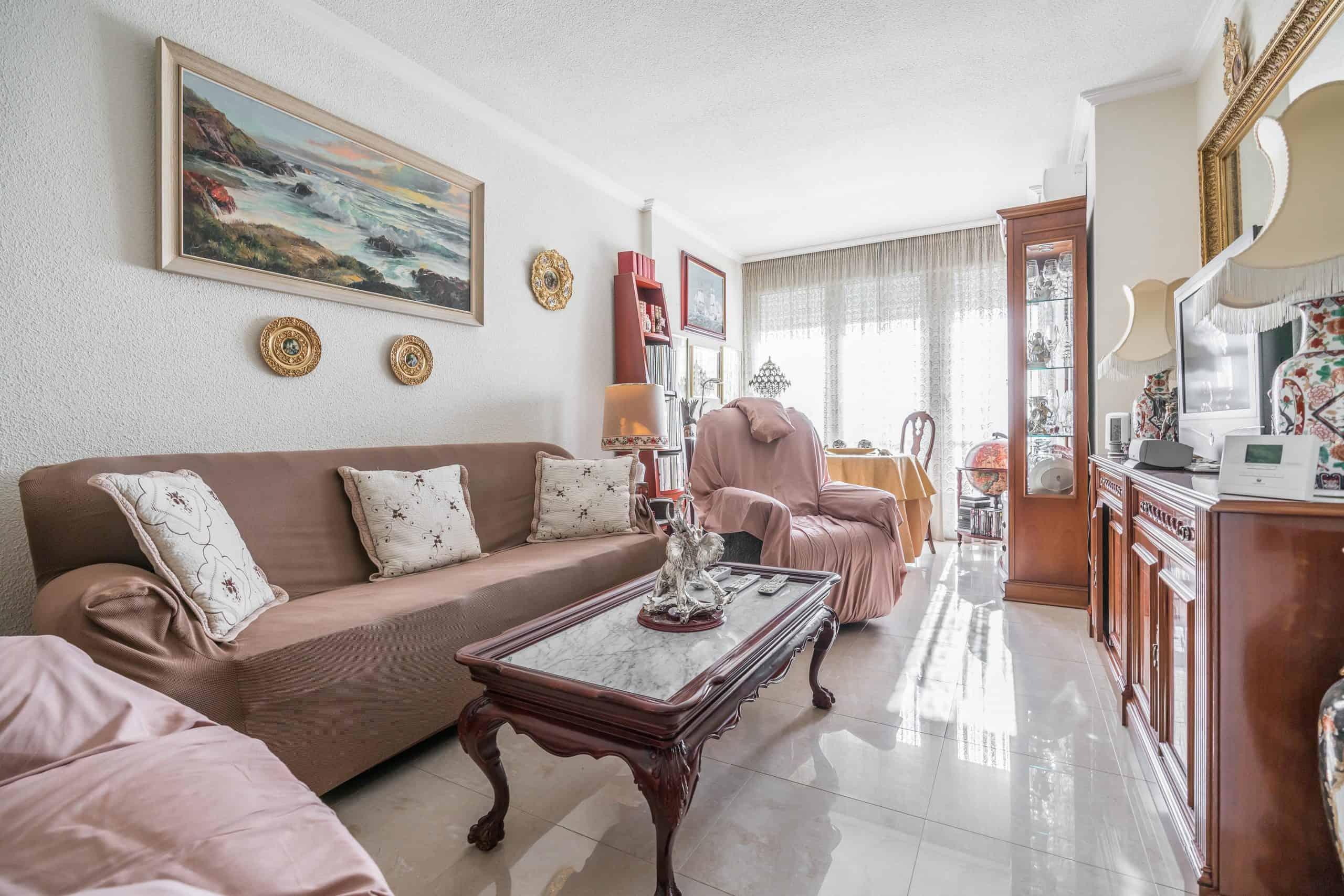 Agencia Inmobiliaria de Madrid-FUTUROCASA-Zona ARGANZUELA-EMBAJADORES-LEGAZPI -calle Santa María de la Cabeza1 SALON (1)
