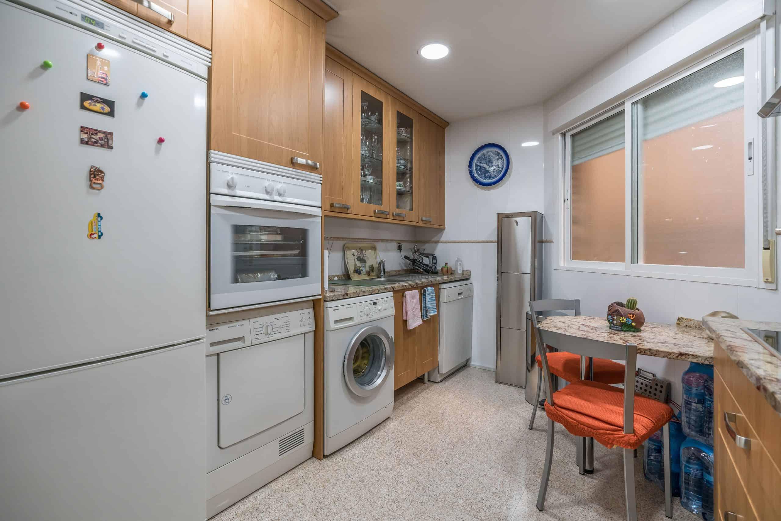 Agencia Inmobiliaria de Madrid-FUTUROCASA-Zona ARGANZUELA-EMBAJADORES-LEGAZPI -calle Santa María de la Cabeza5 COCINA (5)