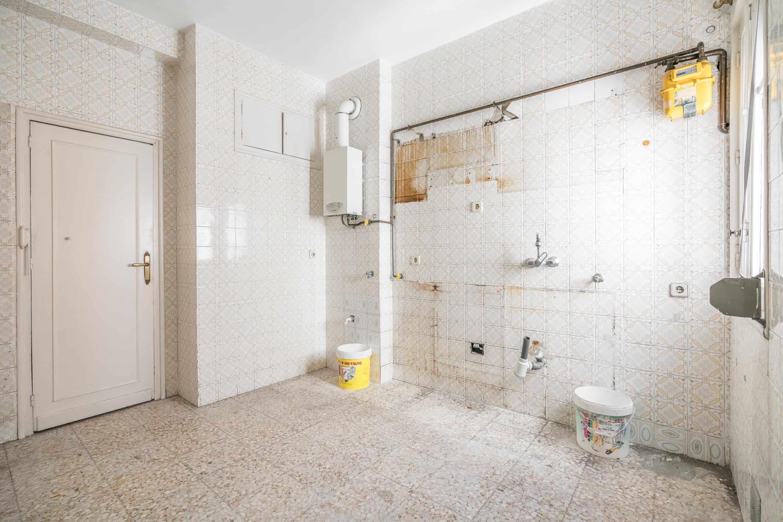 Agencia Inmobiliaria de Madrid-FUTUROCASA-Zona ARGANZUELA-EMBAJADORES-LEGAZPI -calle ALEJANDRO FERRANT -cocina1