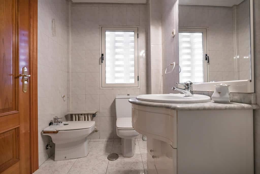 Agencia Inmobiliaria de Madrid-FUTUROCASA-Zona ARGANZUELA-EMBAJADORES-LEGAZPI5 BAÑO2 (3)