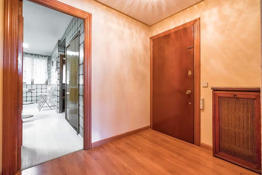 Agencia Inmobiliaria de Madrid-FUTUROCASA-Zona ARGANZUELA-EMBAJADORES-LEGAZPI9 ENTRADA (1)