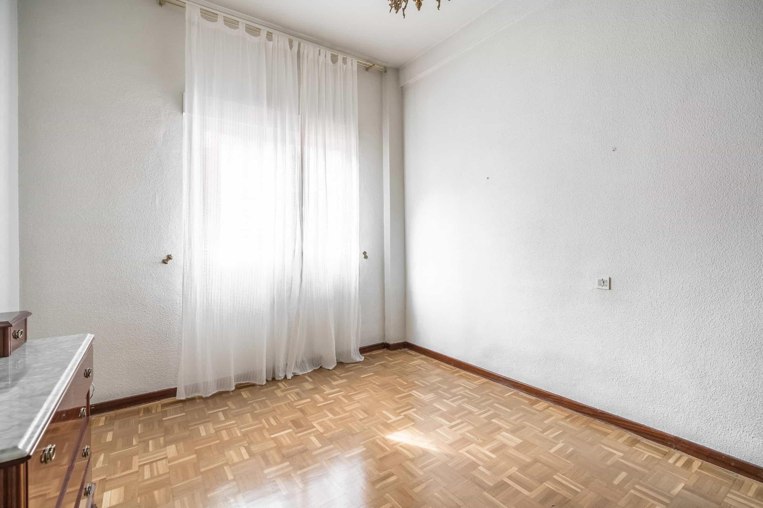 Agencia Inmobiliaria de Madrid-FUTUROCASA-Zona ARGANZUELA-LEGAZPI -calle Jaime Conquistador 48- 1er Dormitorio 2