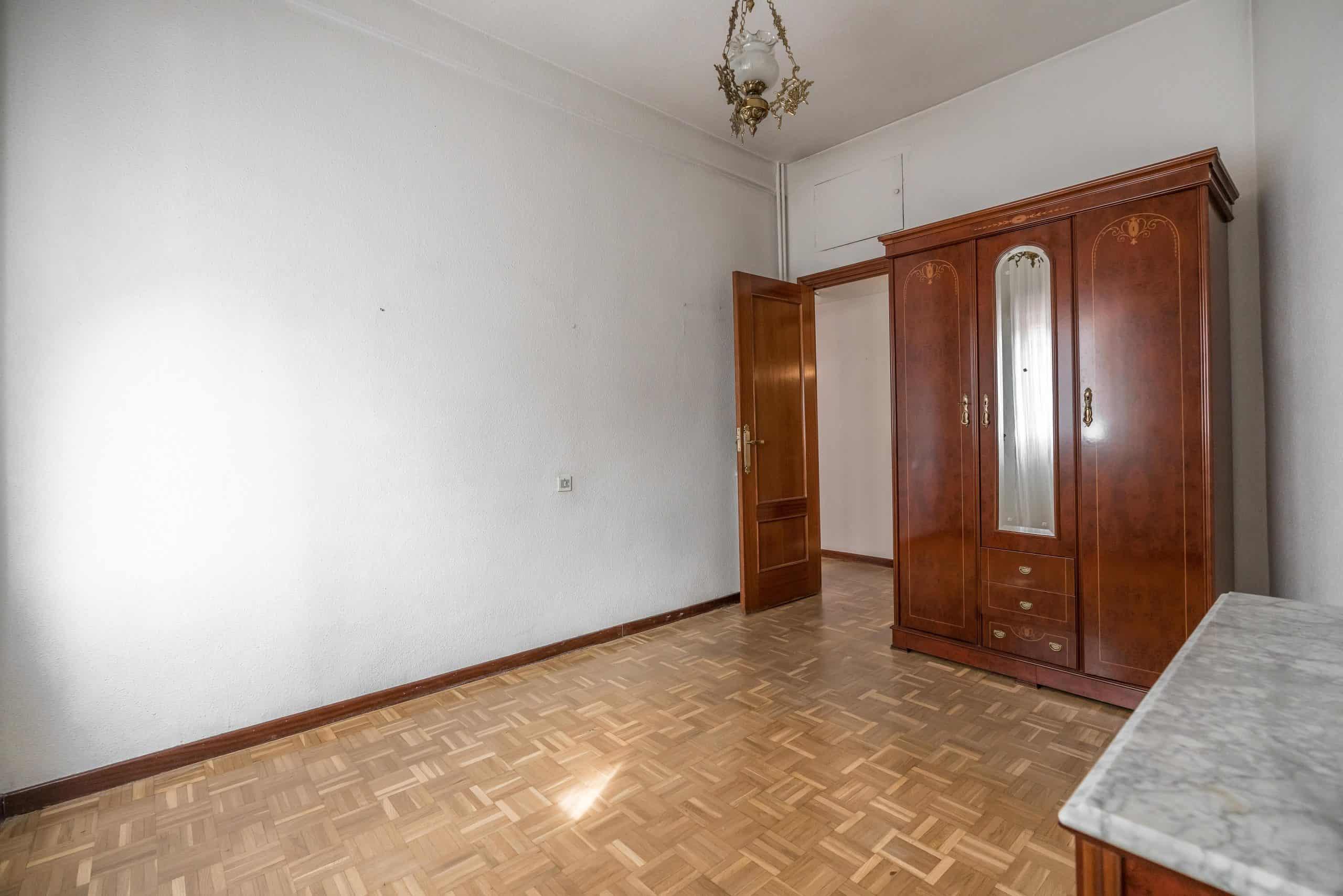 Agencia Inmobiliaria de Madrid-FUTUROCASA-Zona ARGANZUELA-LEGAZPI -calle Jaime Conquistador 48- 1er Dormitorio 3