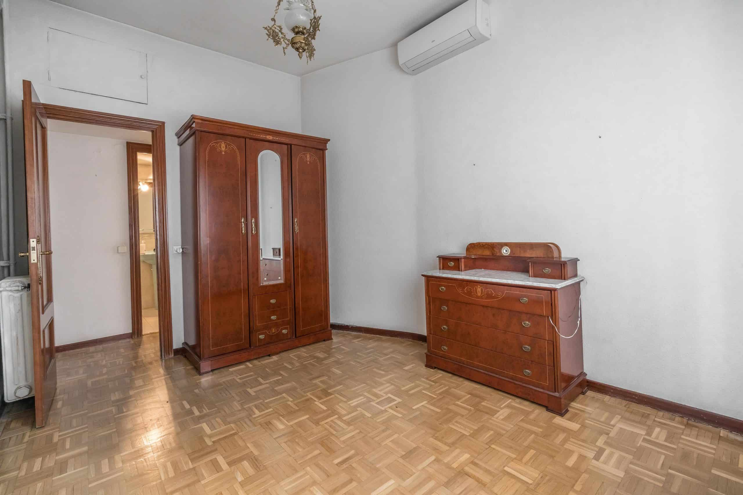 Agencia Inmobiliaria de Madrid-FUTUROCASA-Zona ARGANZUELA-LEGAZPI -calle Jaime Conquistador 48- 1er Dormitorio 4