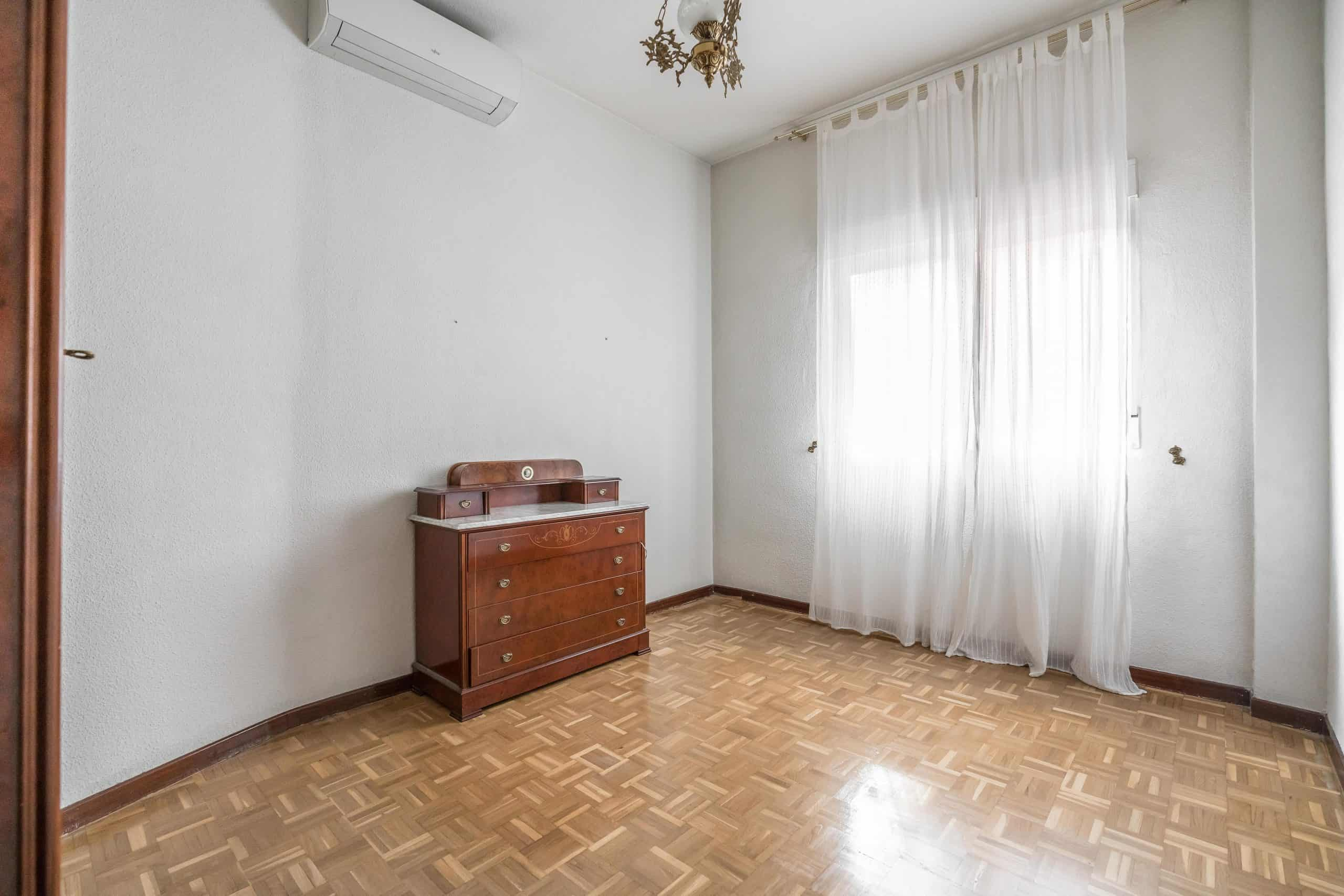 Agencia Inmobiliaria de Madrid-FUTUROCASA-Zona ARGANZUELA-LEGAZPI -calle Jaime Conquistador 48- 1er dormitorio 1