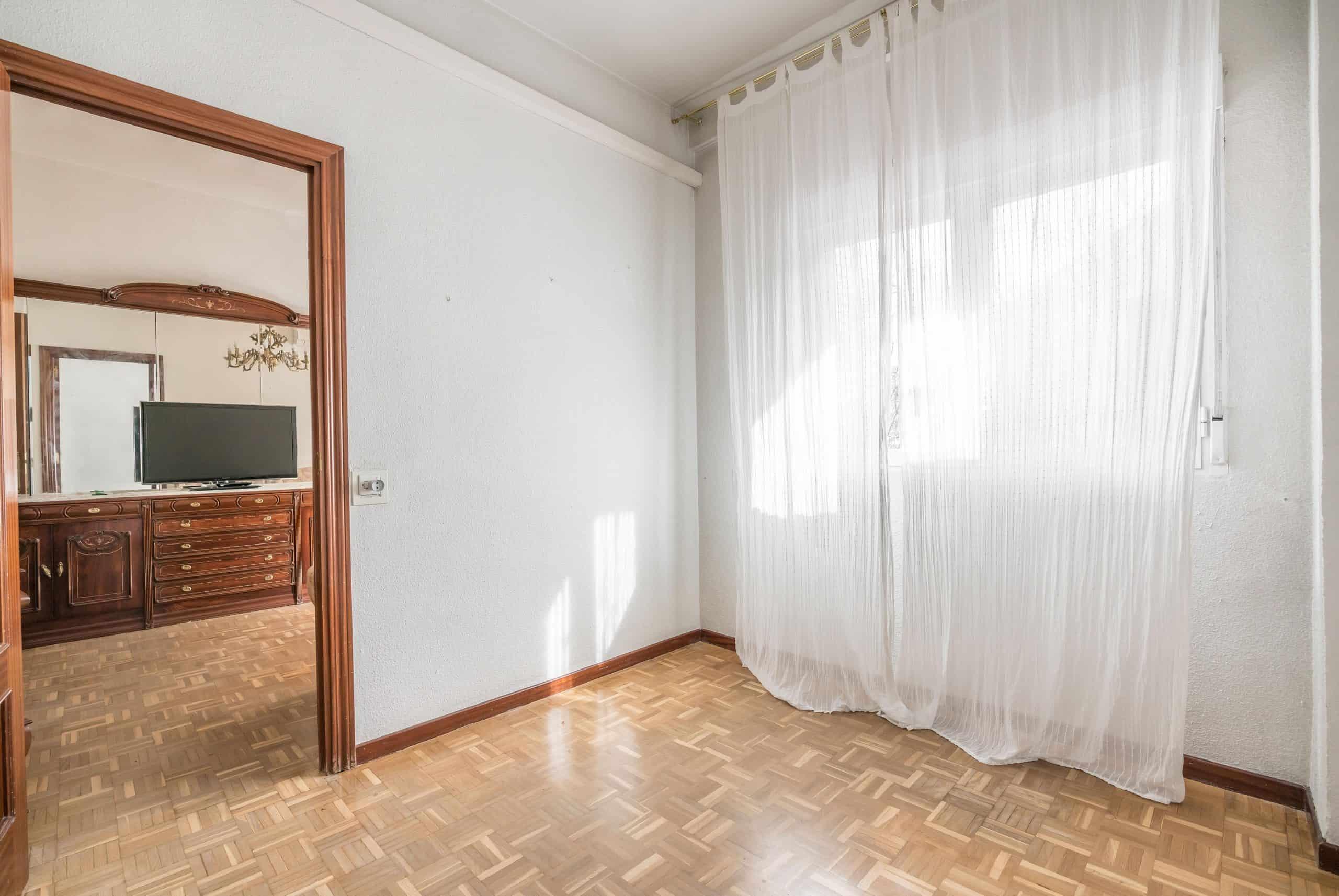 Agencia Inmobiliaria de Madrid-FUTUROCASA-Zona ARGANZUELA-LEGAZPI -calle Jaime Conquistador 48- 2do Dormitorio 2