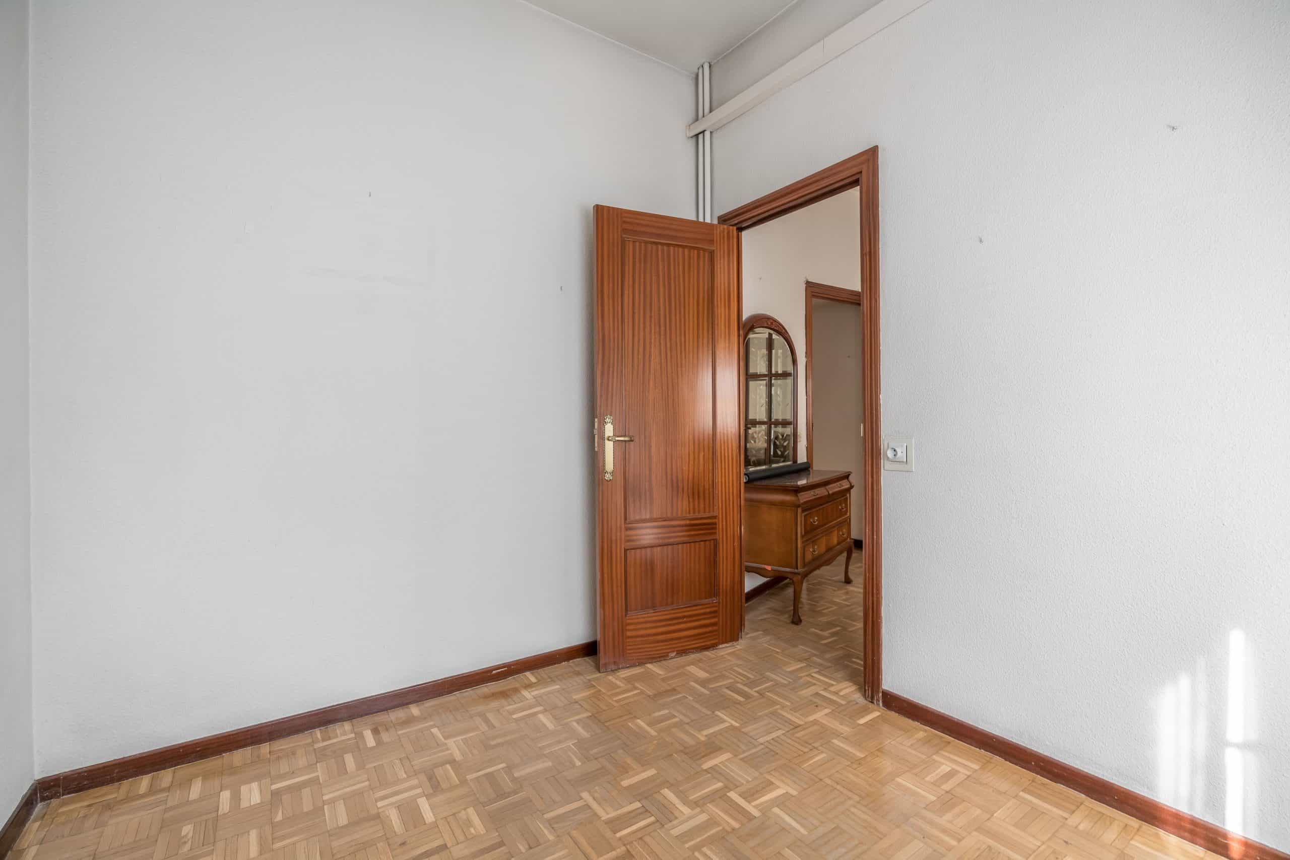Agencia Inmobiliaria de Madrid-FUTUROCASA-Zona ARGANZUELA-LEGAZPI -calle Jaime Conquistador 48- 2do Dormitorio 4