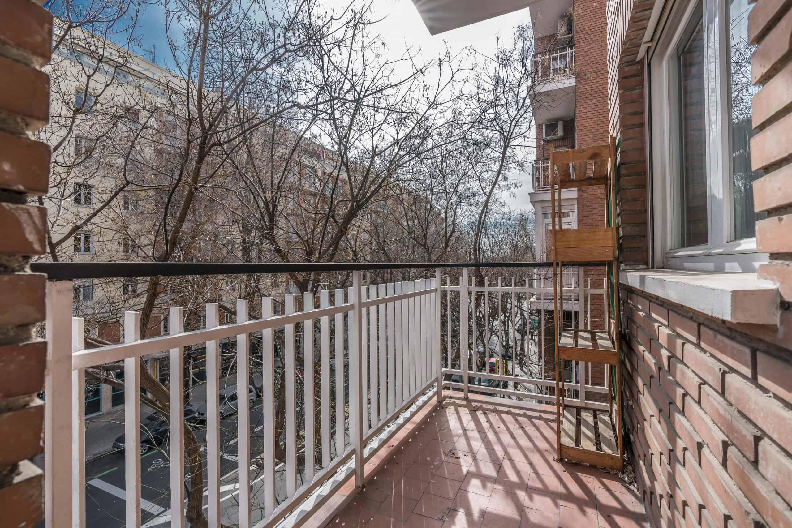 Agencia Inmobiliaria de Madrid-FUTUROCASA-Zona ARGANZUELA-LEGAZPI -calle Jaime Conquistador 48- Balcón 1