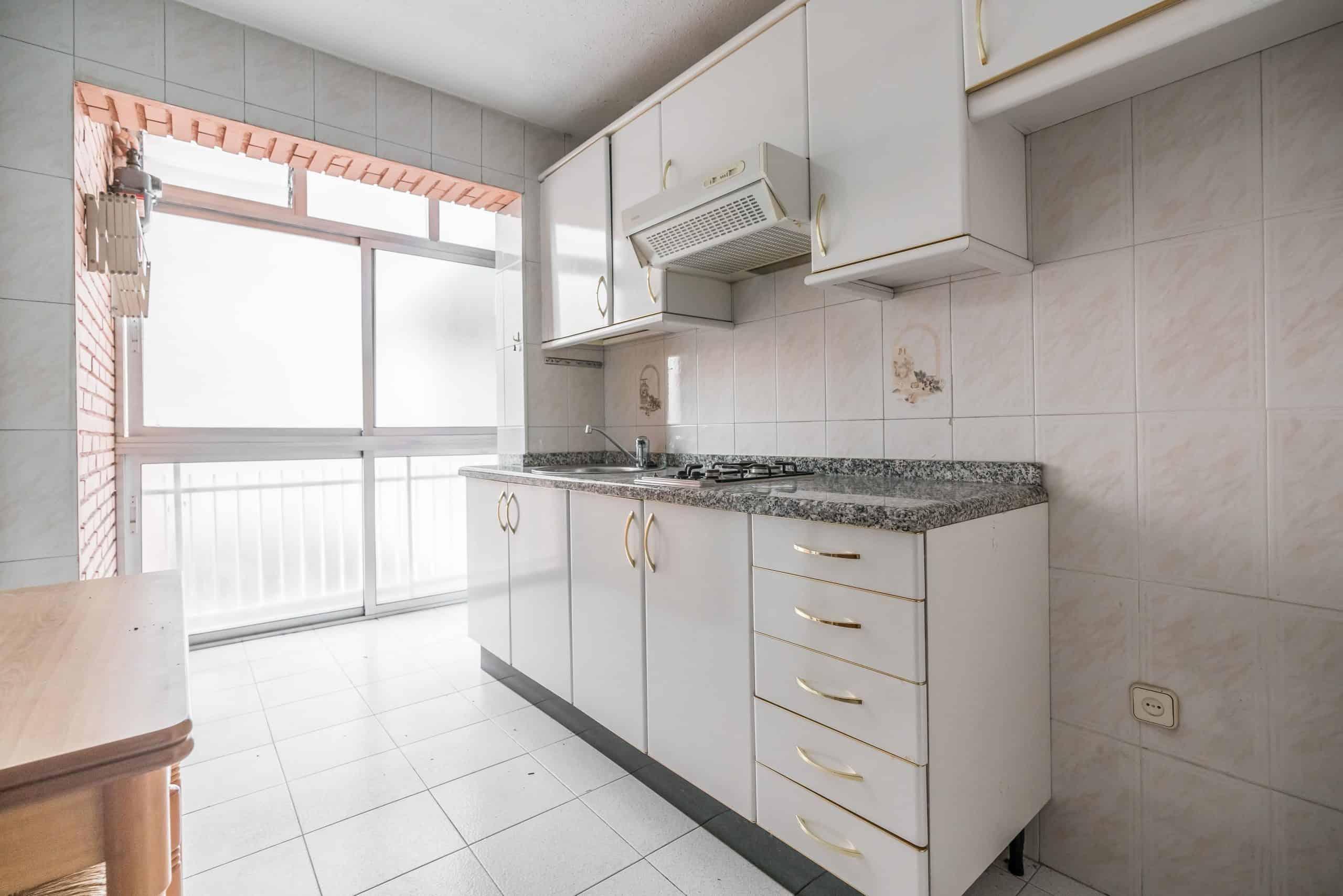 Agencia Inmobiliaria de Madrid-FUTUROCASA-Zona ARGANZUELA-LEGAZPI -calle Jaime Conquistador 48- Cocina 1