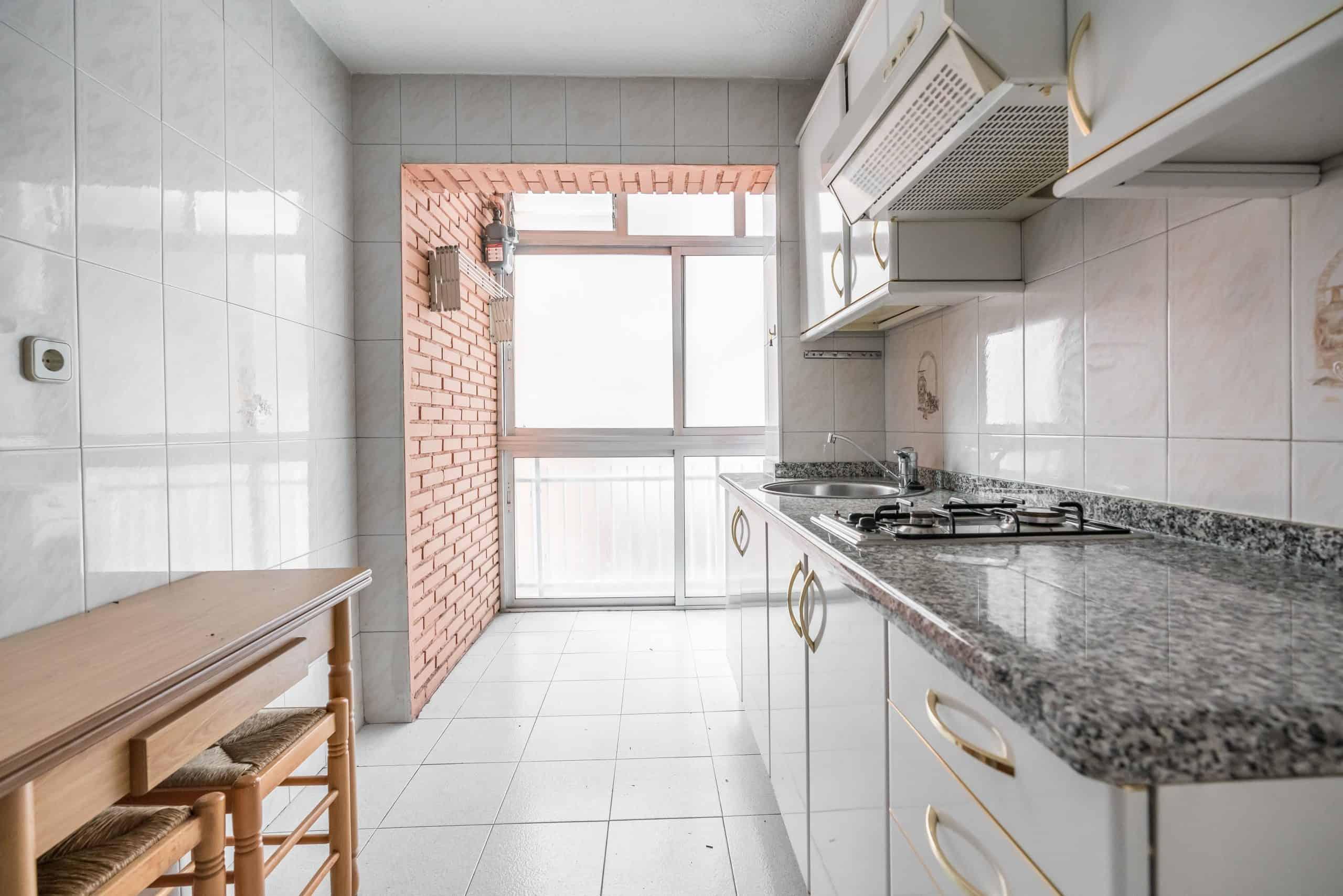 Agencia Inmobiliaria de Madrid-FUTUROCASA-Zona ARGANZUELA-LEGAZPI -calle Jaime Conquistador 48- Cocina 2