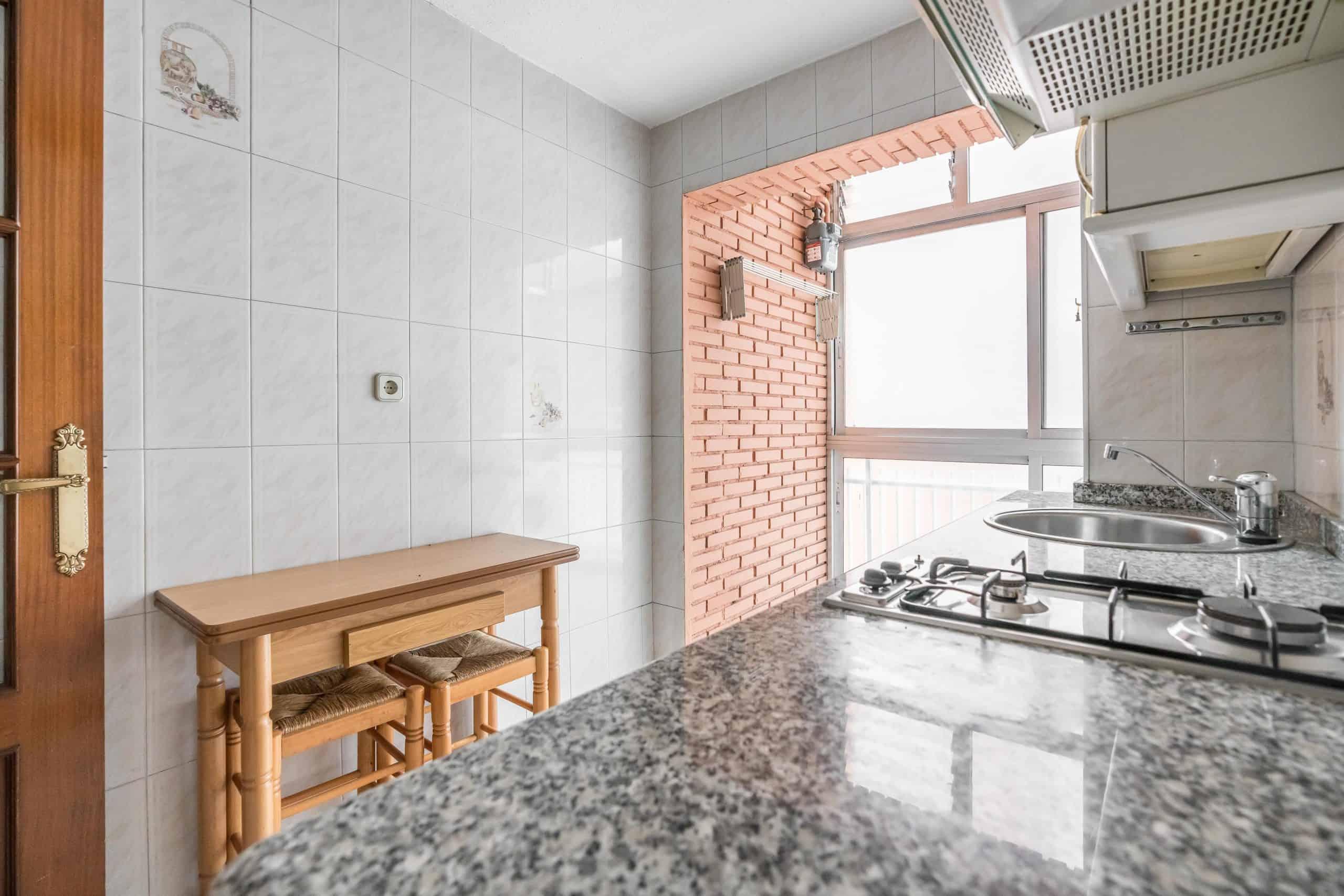 Agencia Inmobiliaria de Madrid-FUTUROCASA-Zona ARGANZUELA-LEGAZPI -calle Jaime Conquistador 48- Cocina 3