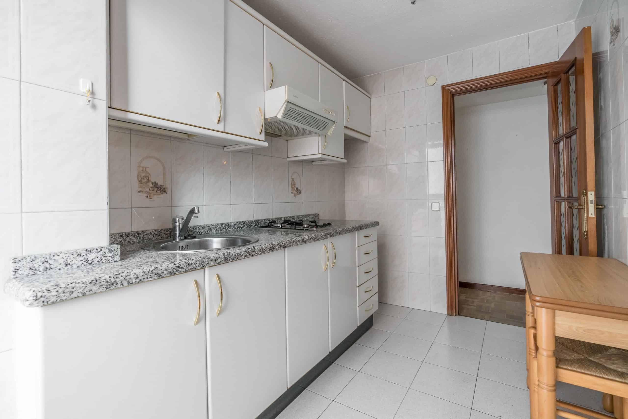 Agencia Inmobiliaria de Madrid-FUTUROCASA-Zona ARGANZUELA-LEGAZPI -calle Jaime Conquistador 48- Cocina 4