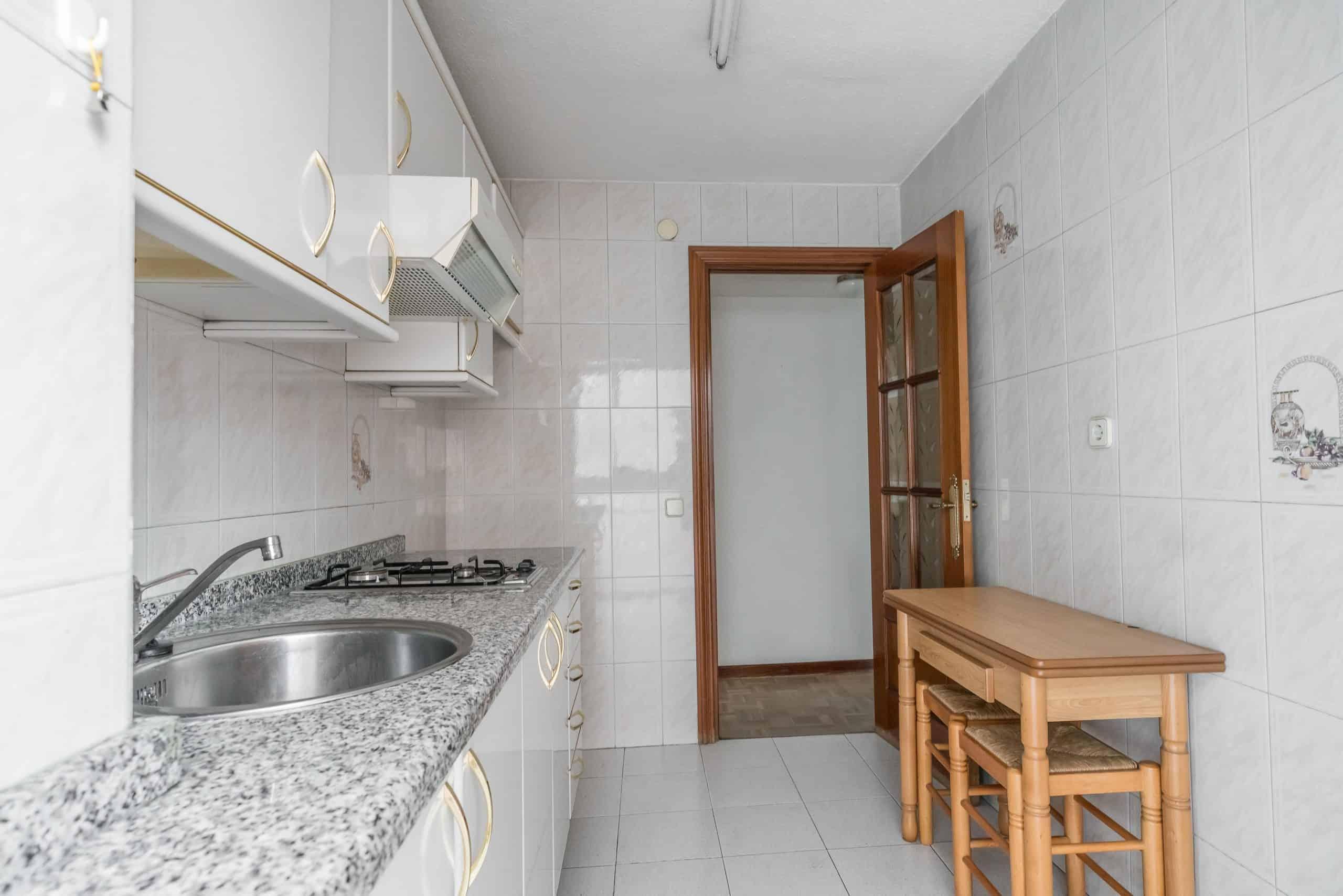 Agencia Inmobiliaria de Madrid-FUTUROCASA-Zona ARGANZUELA-LEGAZPI -calle Jaime Conquistador 48- Cocina 5