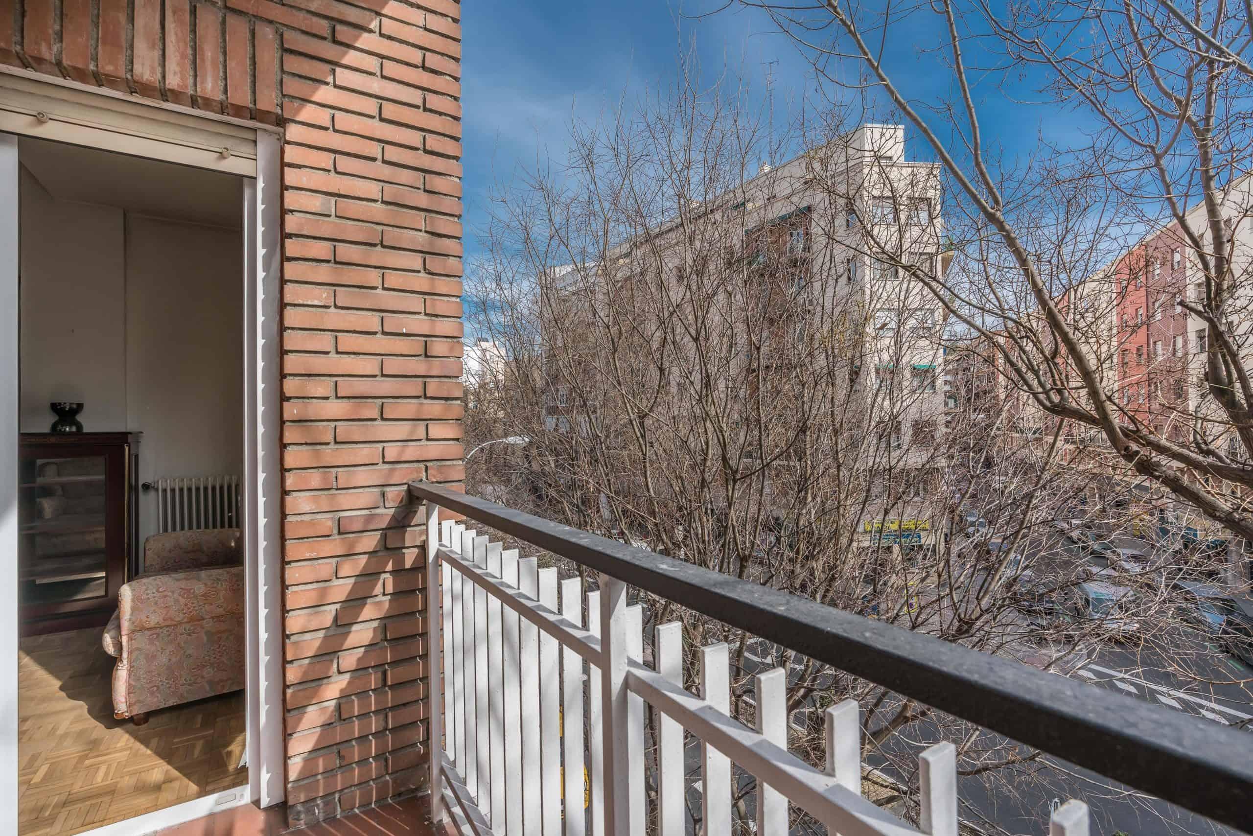 Agencia Inmobiliaria de Madrid-FUTUROCASA-Zona ARGANZUELA-LEGAZPI -calle Jaime Conquistador 48- balcón 2