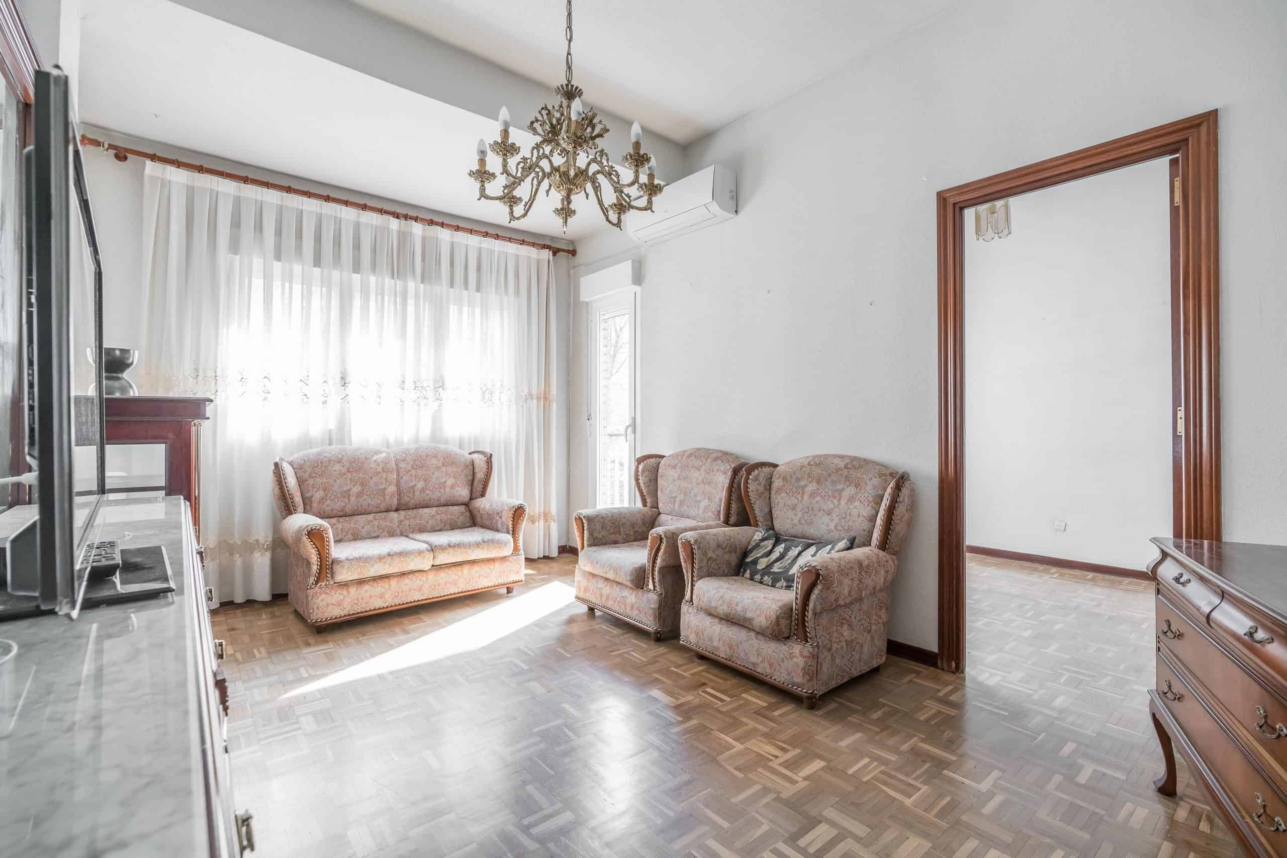 Agencia Inmobiliaria de Madrid-FUTUROCASA-Zona ARGANZUELA-LEGAZPI -calle Jaime Conquistador 48- salón 1