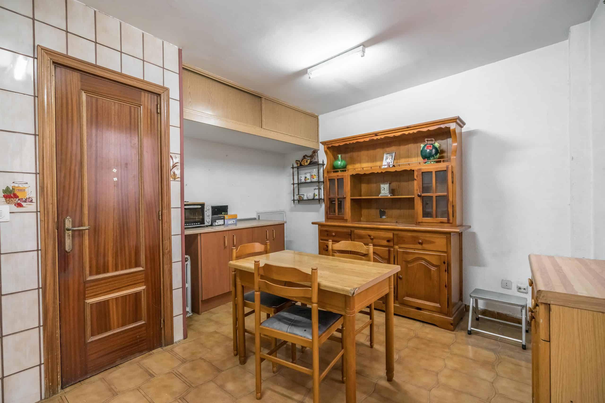 Agencia Inmobiliaria de Madrid-FUTUROCASA-Zona ARGANZUELA-LEGAZPI -calle Jaime Conquistador 27- Cocina 2