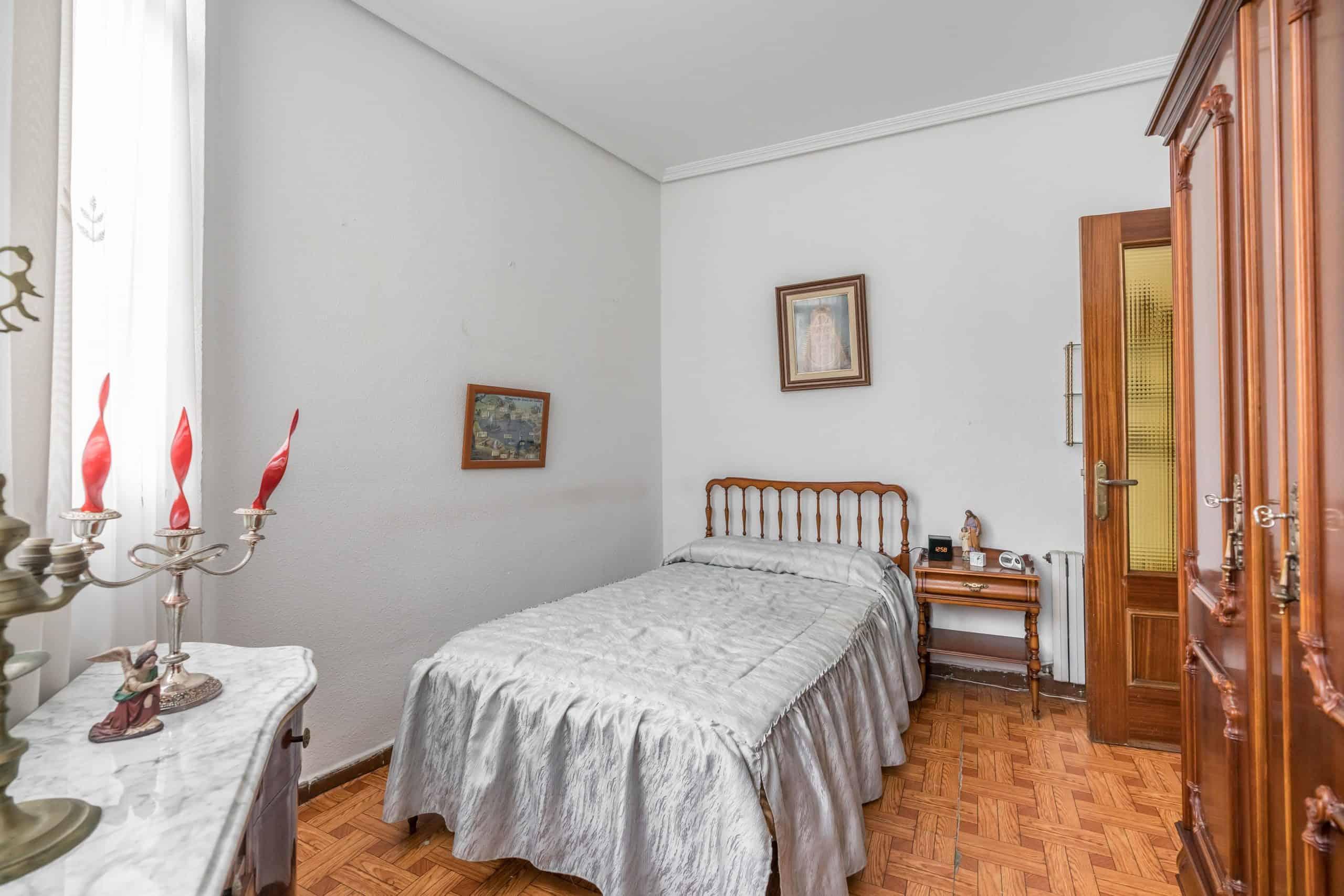 Agencia Inmobiliaria de Madrid-FUTUROCASA-Zona ARGANZUELA-LEGAZPI -calle Jaime Conquistador 27- Habitación 3