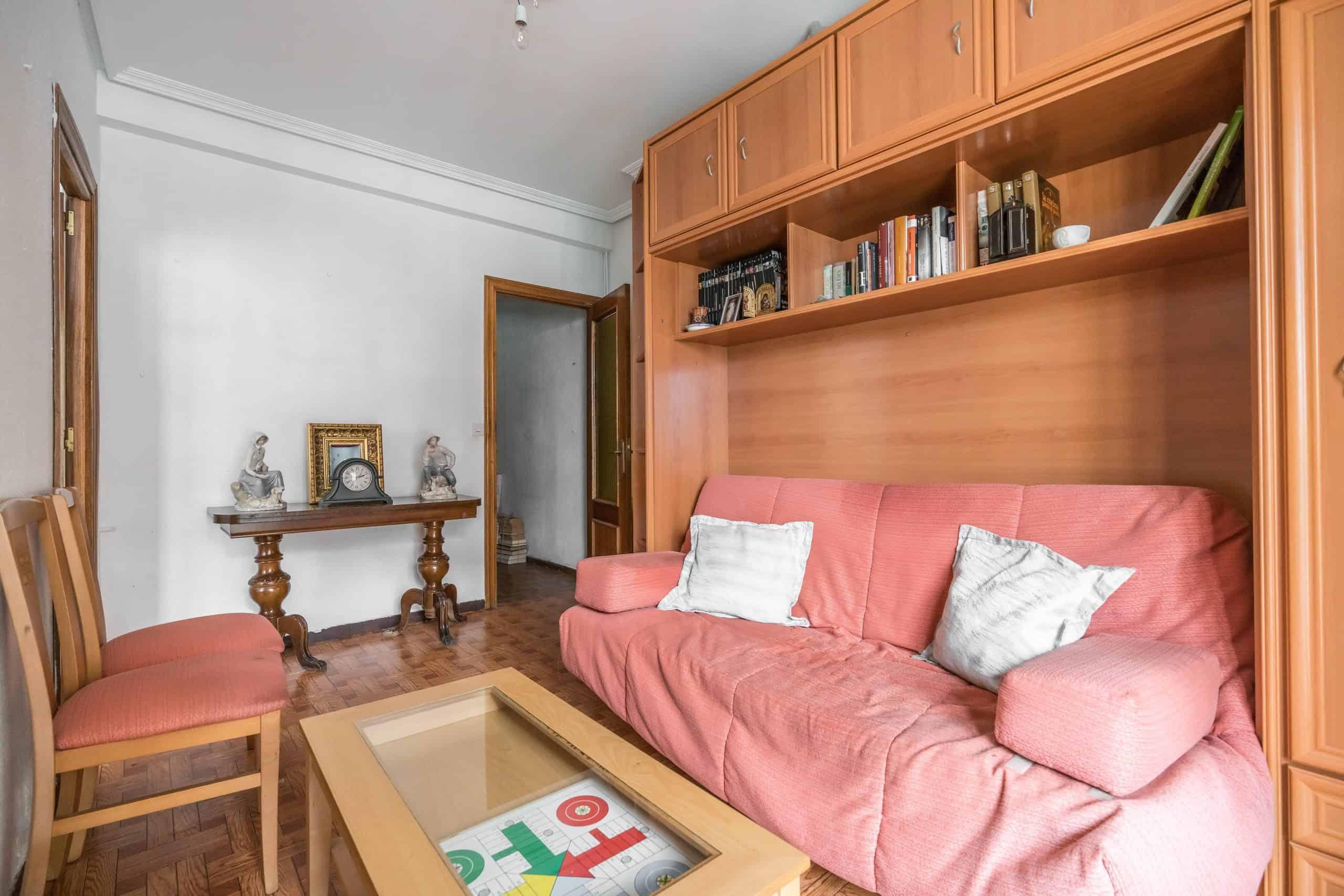 Agencia Inmobiliaria de Madrid-FUTUROCASA-Zona ARGANZUELA-LEGAZPI -calle Jaime Conquistador 27- Salón 5