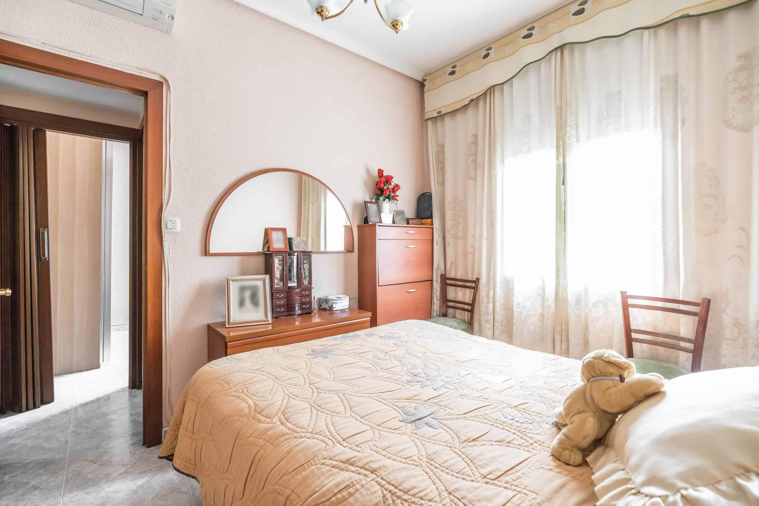 Agencia Inmobiliaria de Madrid-FUTUROCASA-Zona ARGANZUELA-EMBAJADORES-LEGAZPI2 DORMITORIO1 (4)