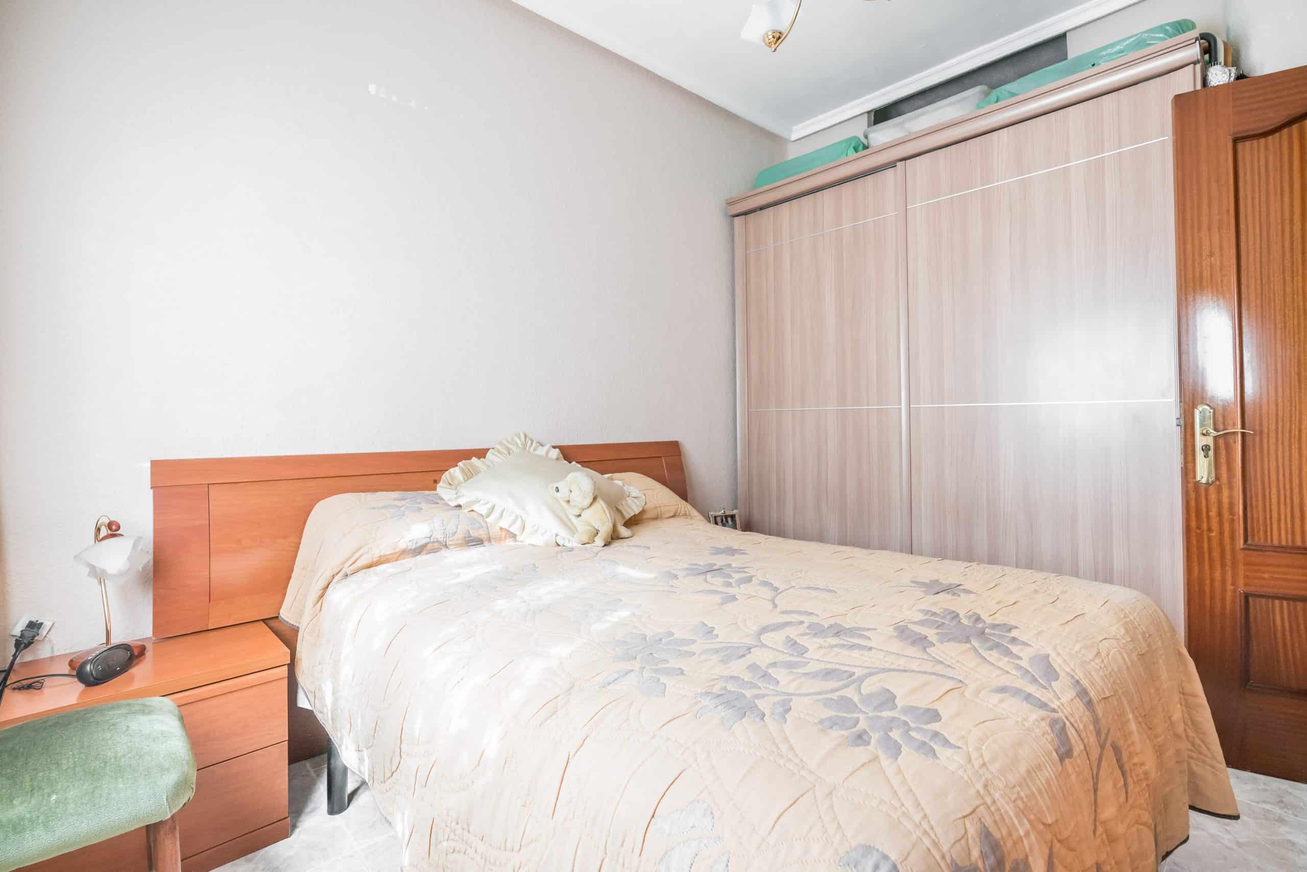 Agencia Inmobiliaria de Madrid-FUTUROCASA-Zona ARGANZUELA-EMBAJADORES-LEGAZPI2 DORMITORIO1 (6)