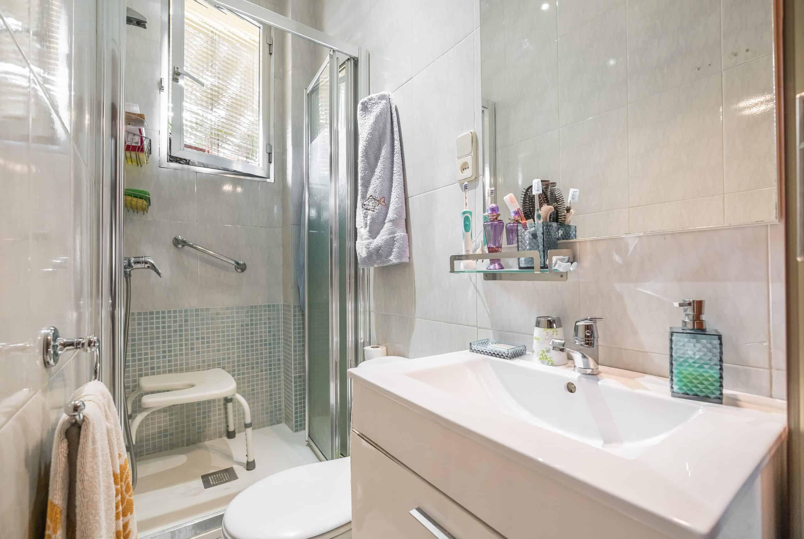 Agencia Inmobiliaria de Madrid-FUTUROCASA-Zona ARGANZUELA-EMBAJADORES-LEGAZPI3 BAÑO1 (1)