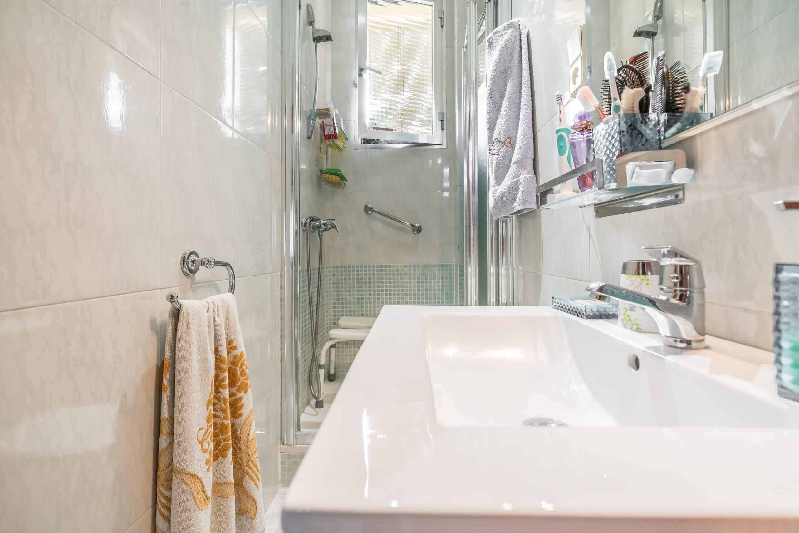 Agencia Inmobiliaria de Madrid-FUTUROCASA-Zona ARGANZUELA-EMBAJADORES-LEGAZPI3 BAÑO1 (3)