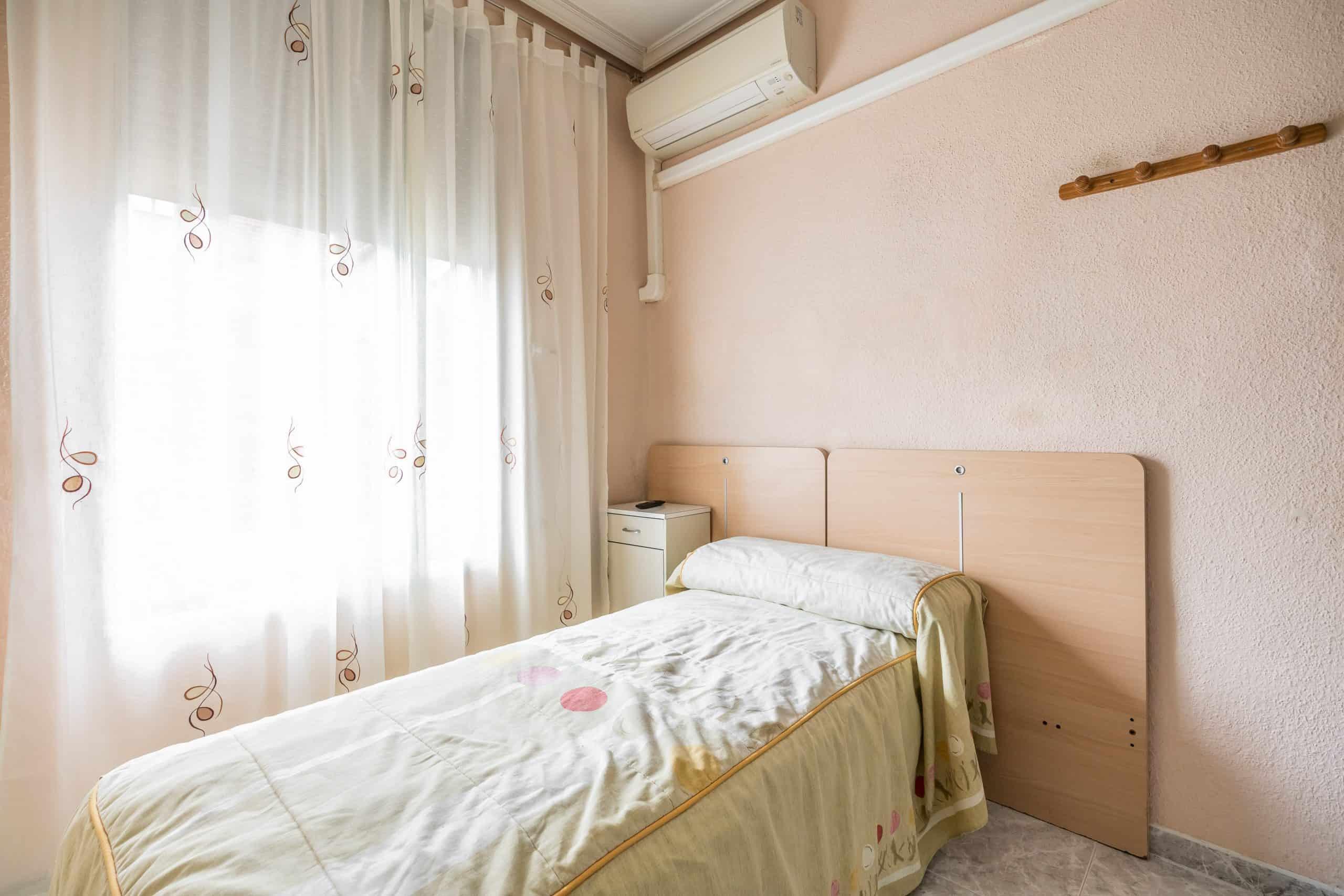 Agencia Inmobiliaria de Madrid-FUTUROCASA-Zona ARGANZUELA-EMBAJADORES-LEGAZPI4 DORMITORIO2 (3)