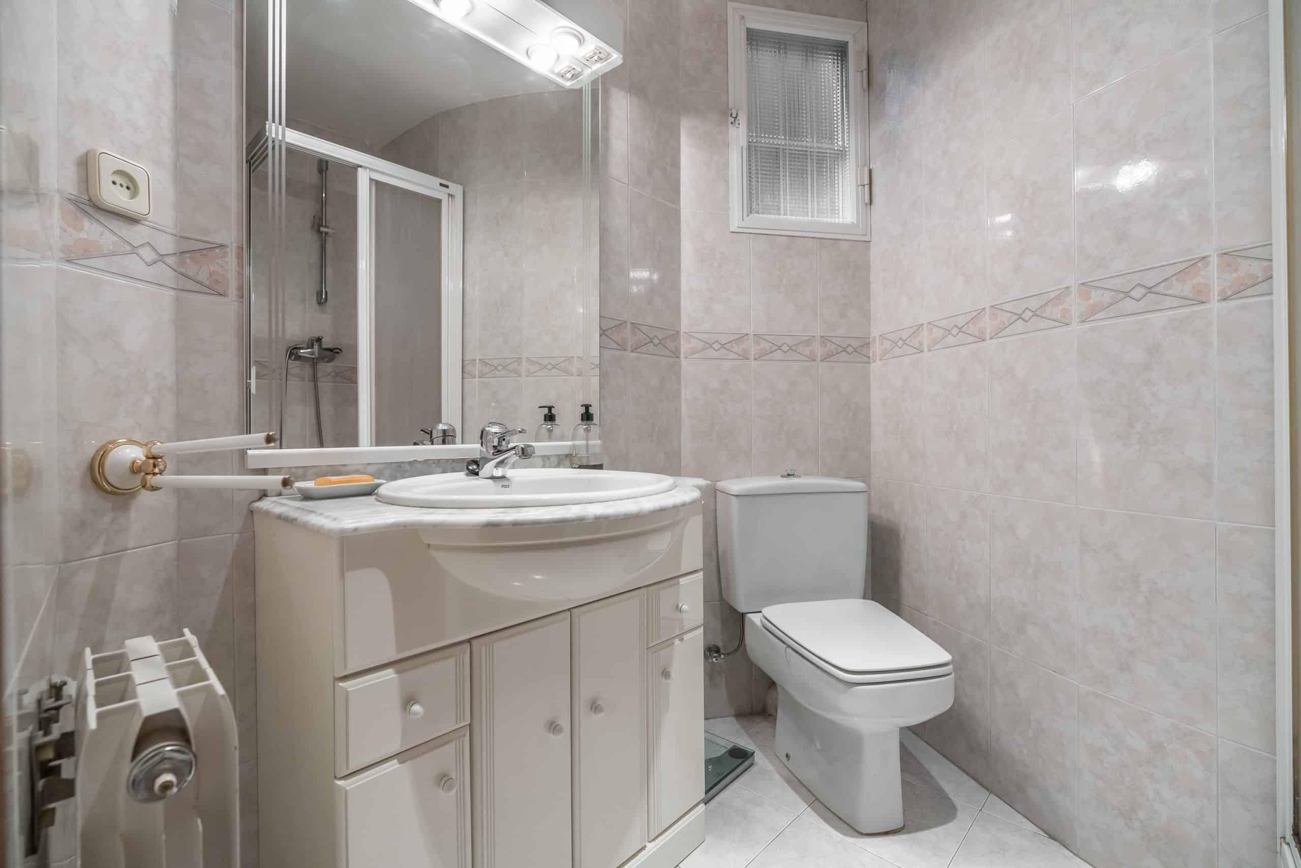 4 BAÑO1 (1) (Copy) Agencia Inmobiliaria de Madrid-FUTUROCASA-Zona ARGANZUELA-