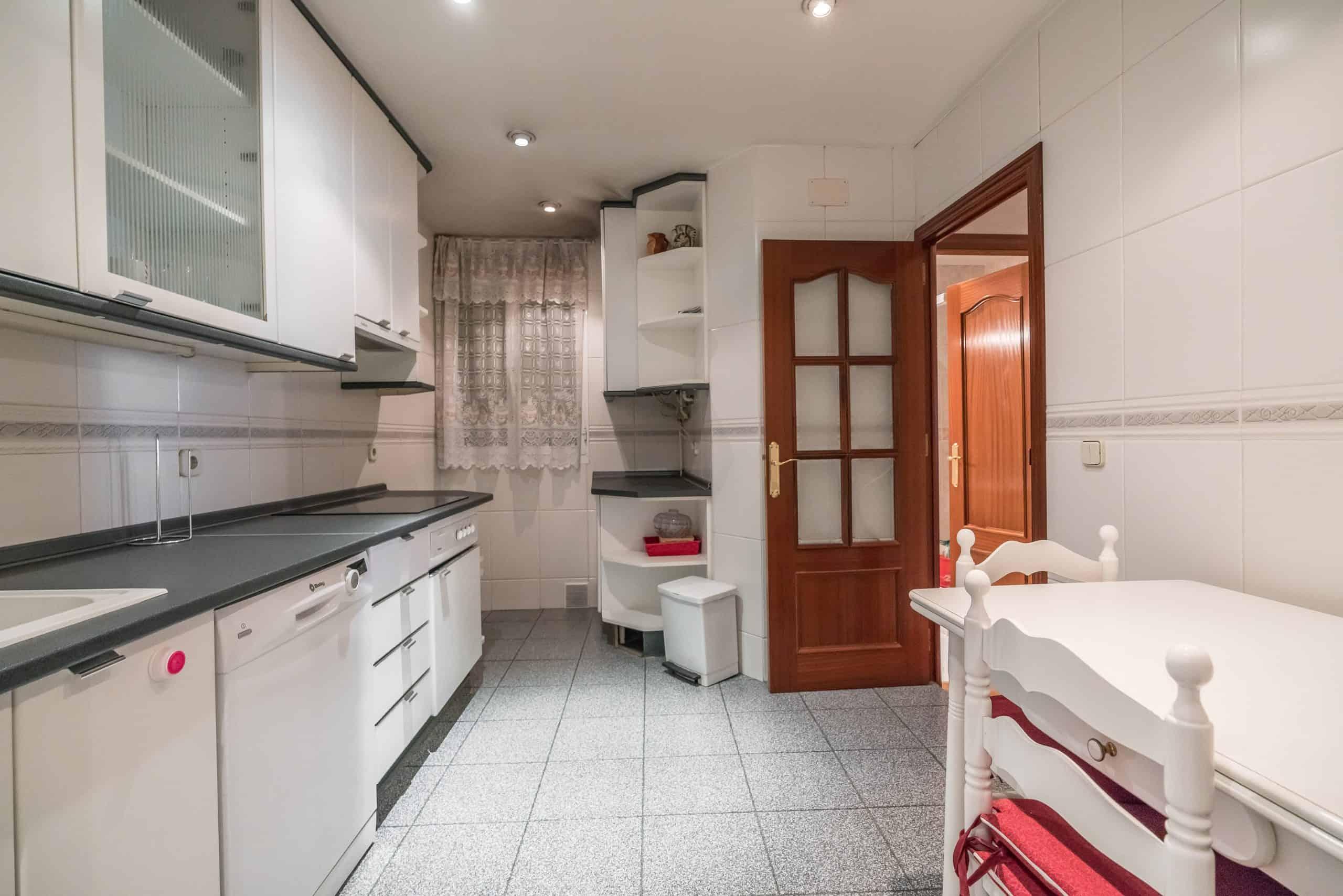 6 COCINA (3) (Copy) Agencia Inmobiliaria de Madrid-FUTUROCASA-Zona ARGANZUELA-