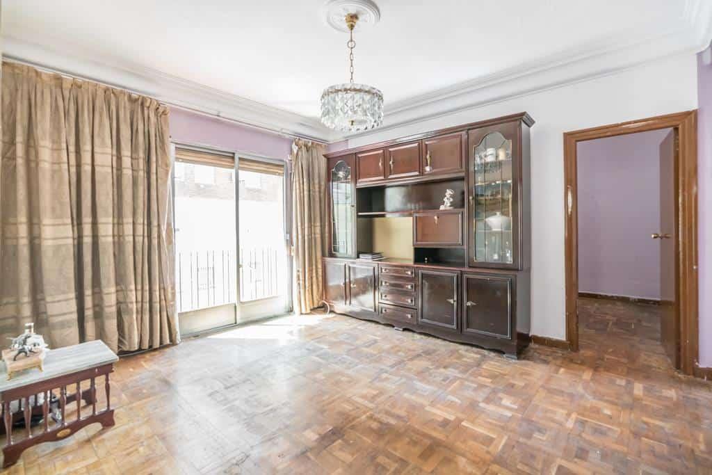Agencia Inmobiliaria de Madrid-FUTUROCASA-Zona ARGANZUELA-EMBAJADORES-LEGAZPI1 SALON (1)