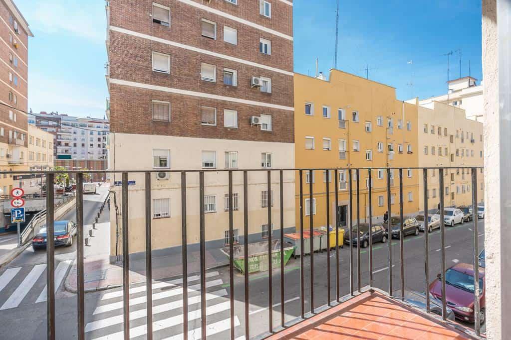 Agencia Inmobiliaria de Madrid-FUTUROCASA-Zona ARGANZUELA-EMBAJADORES-LEGAZPI1 SALON (4)