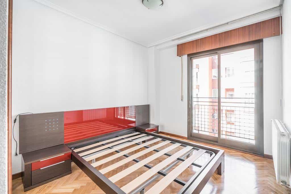 FUTUROCASA-Agencia Inmobiliaria de Madrid-Zona ARGANZUELA-Dormitorio